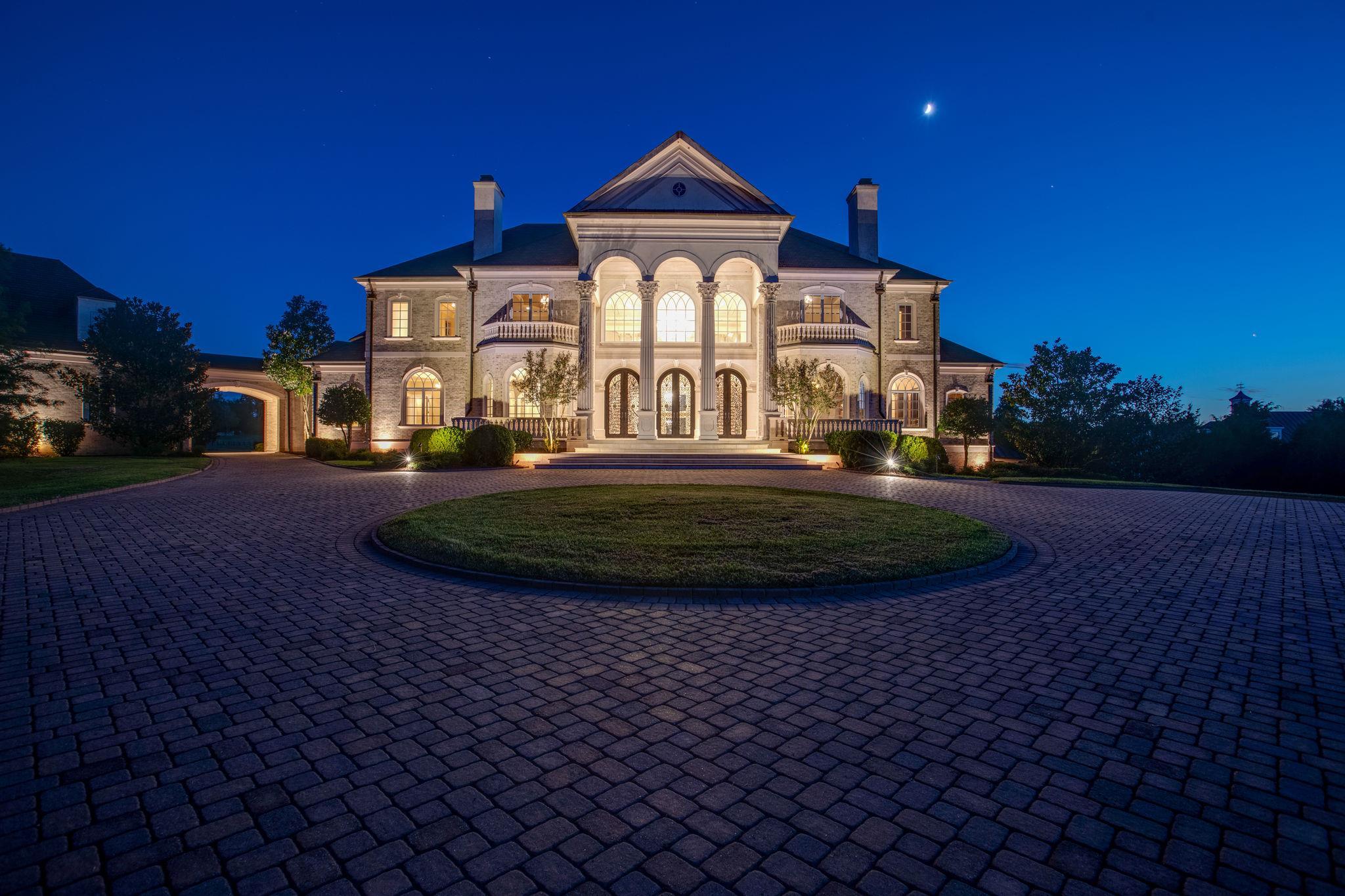 37069 Real Estate Listings Main Image