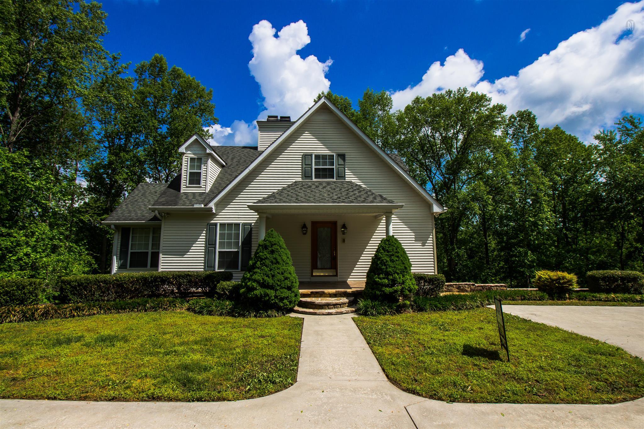 1128 Poplar Dr Property Photo - Smithville, TN real estate listing