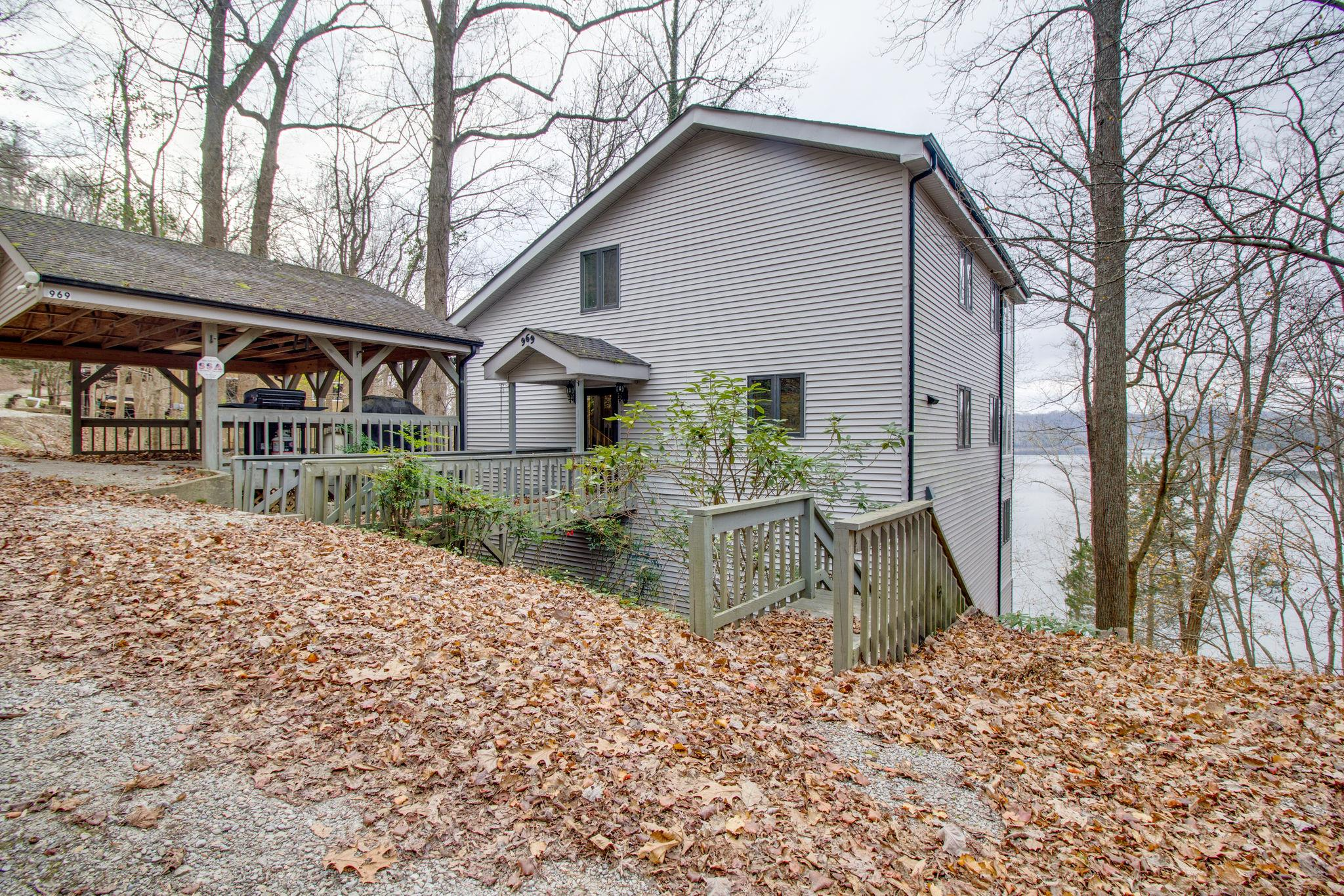 969 Blackberry Hill Rd, Silver Point, TN 38582 - Silver Point, TN real estate listing
