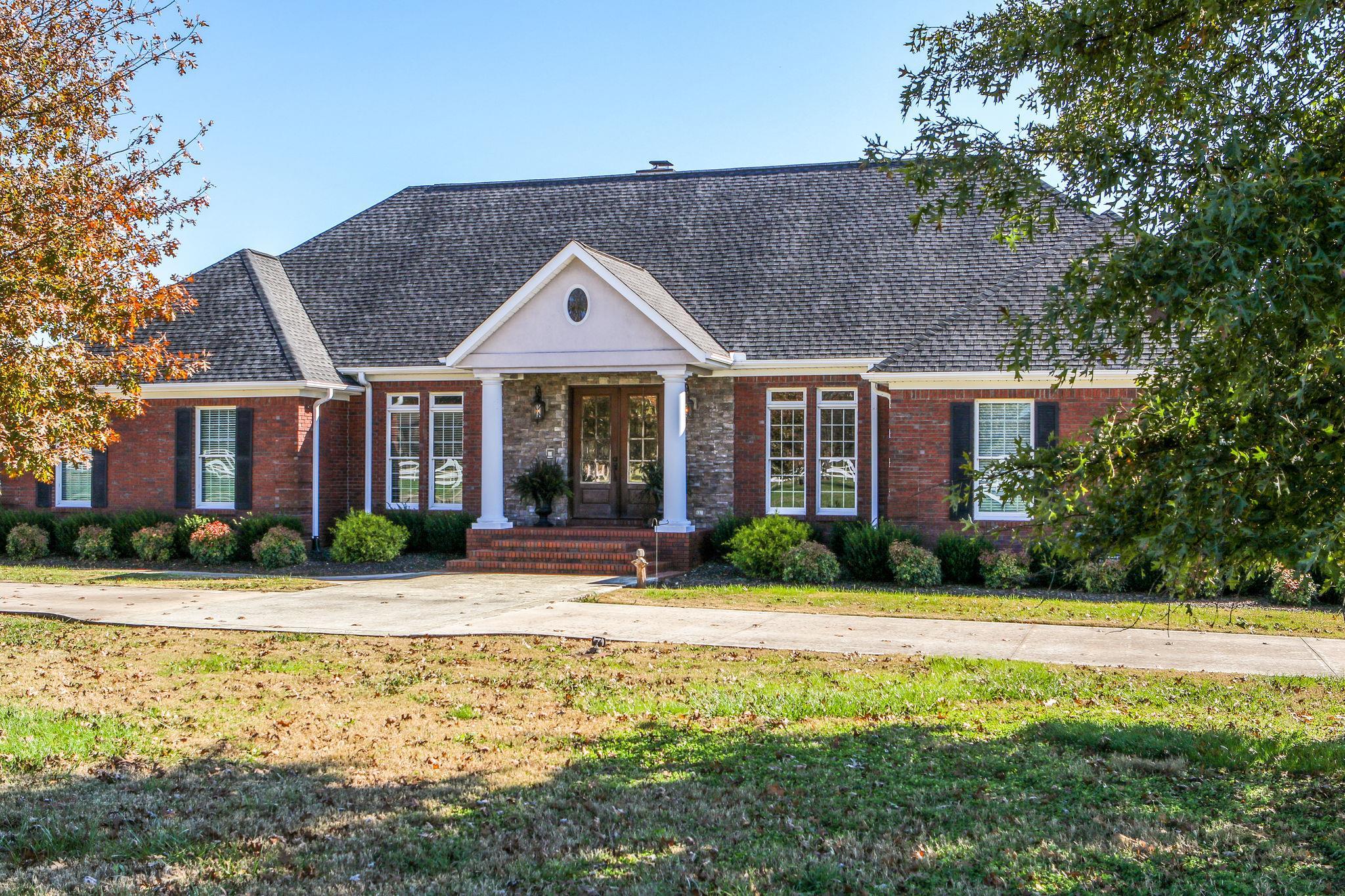 37352 Real Estate Listings Main Image