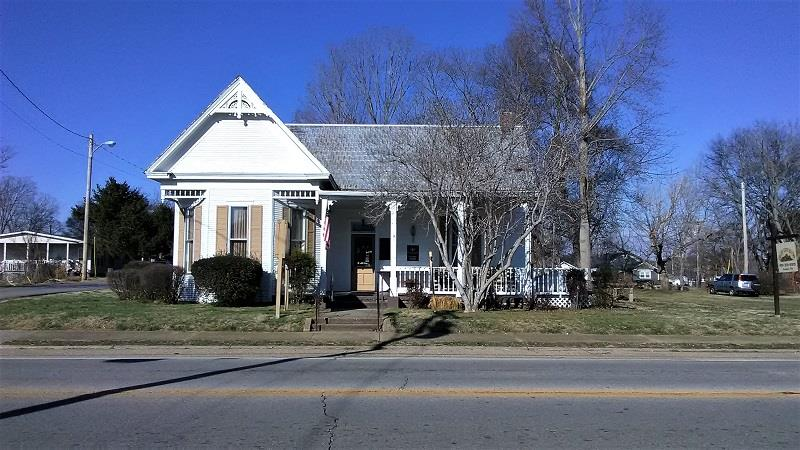 401 Cumberland St E Property Photo - Cowan, TN real estate listing