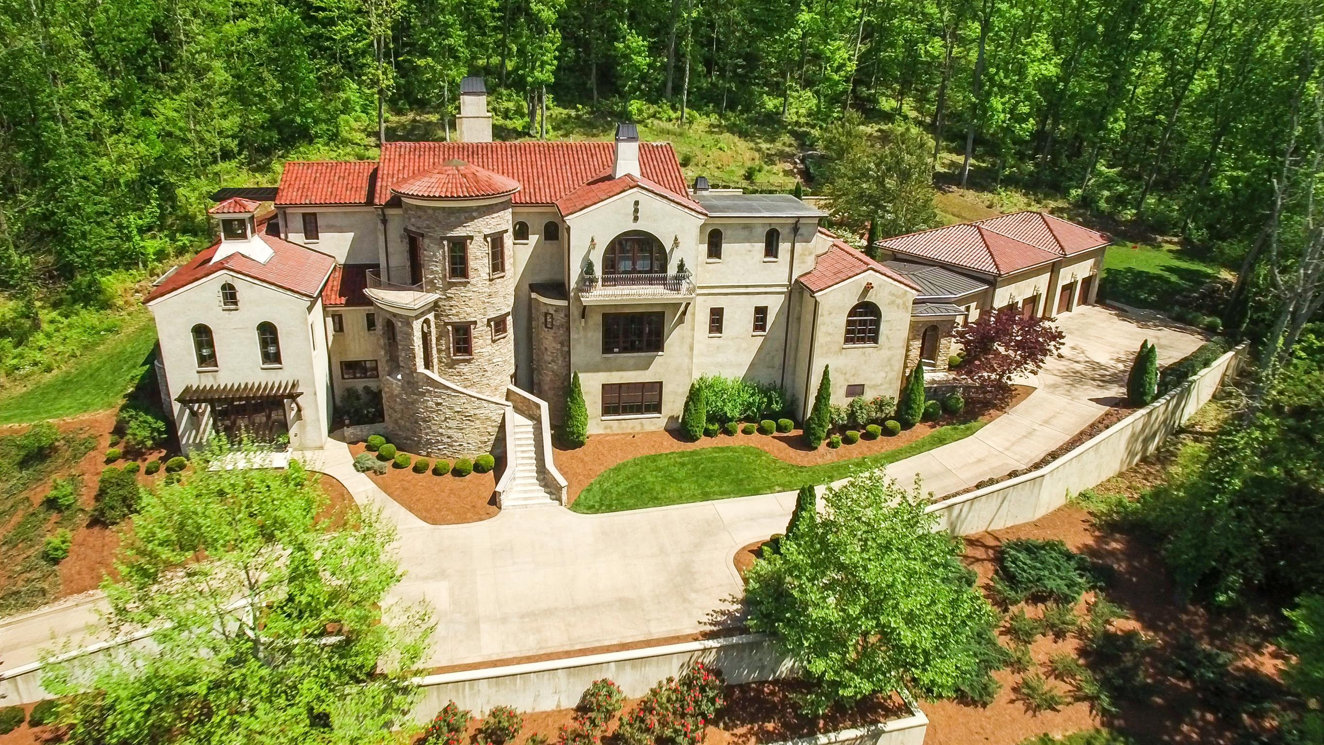 1613 Whispering Hills Dr, Franklin, TN 37069 - Franklin, TN real estate listing