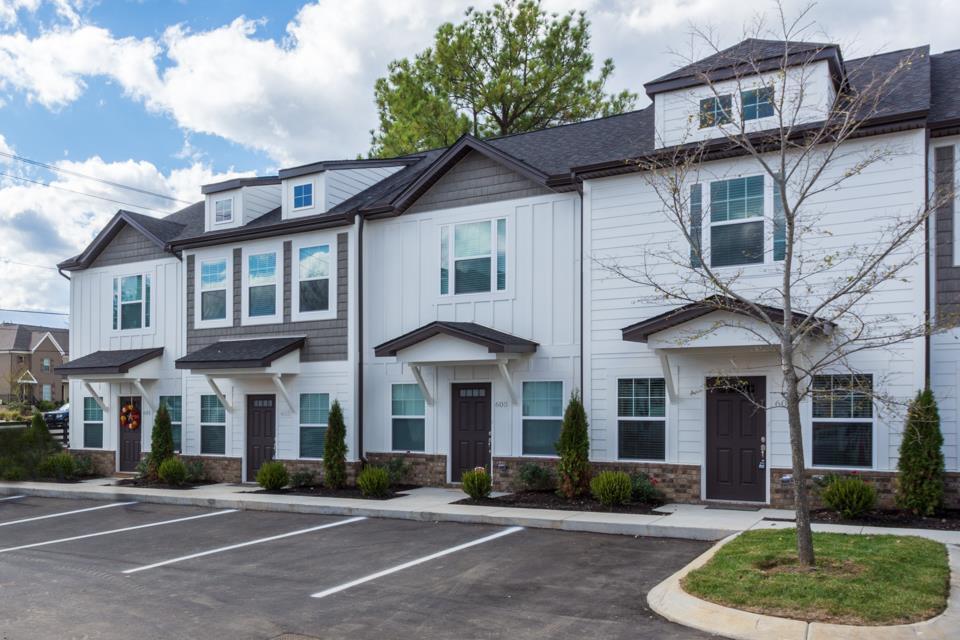 Bristol Creek Real Estate Listings Main Image