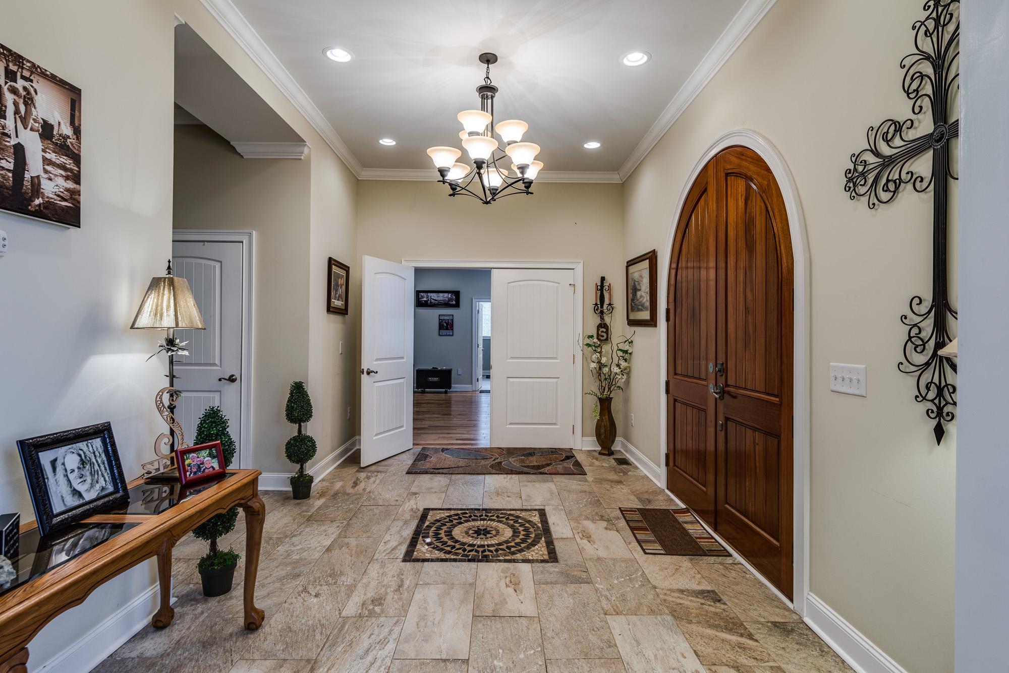 38573 Real Estate Listings Main Image