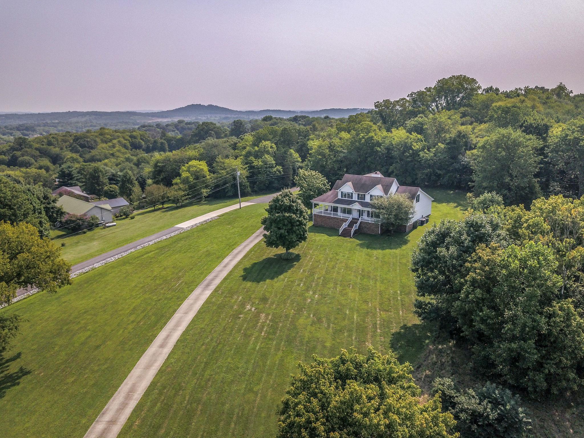 2589 Long Hollow Pike, Hendersonville, TN 37075 - Hendersonville, TN real estate listing