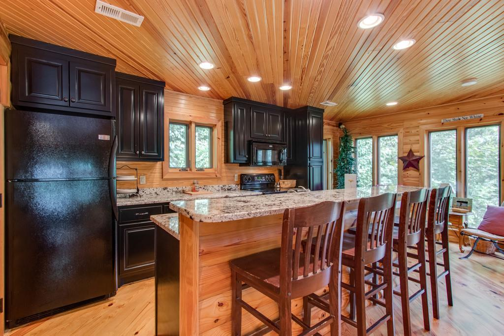 320 Captains Pt, Silver Point, TN 38582 - Silver Point, TN real estate listing