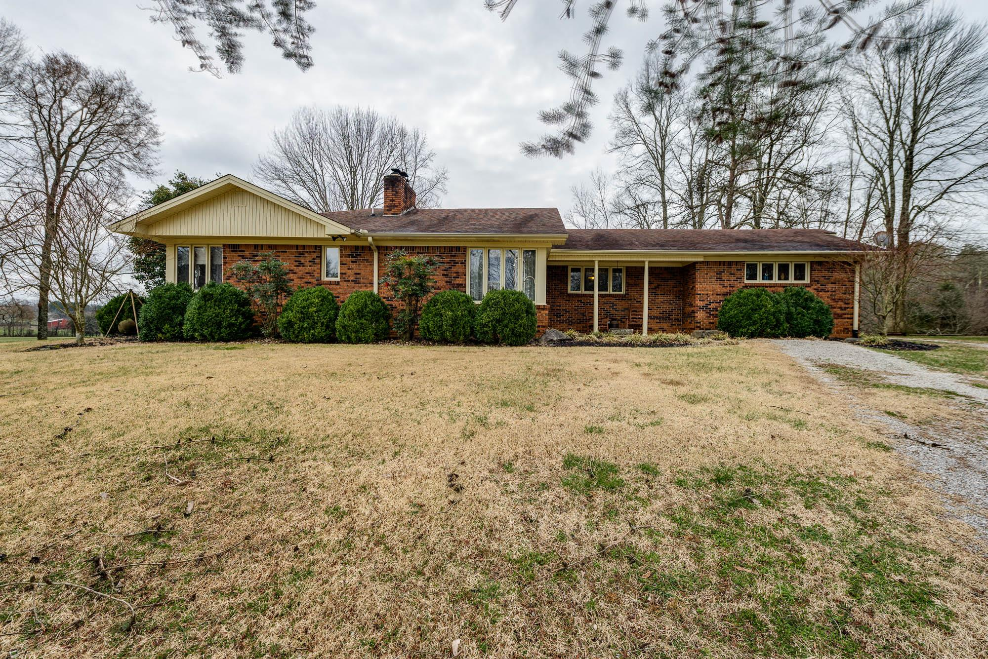 6595 Clay Co Hwy, Celina, TN 38551 - Celina, TN real estate listing
