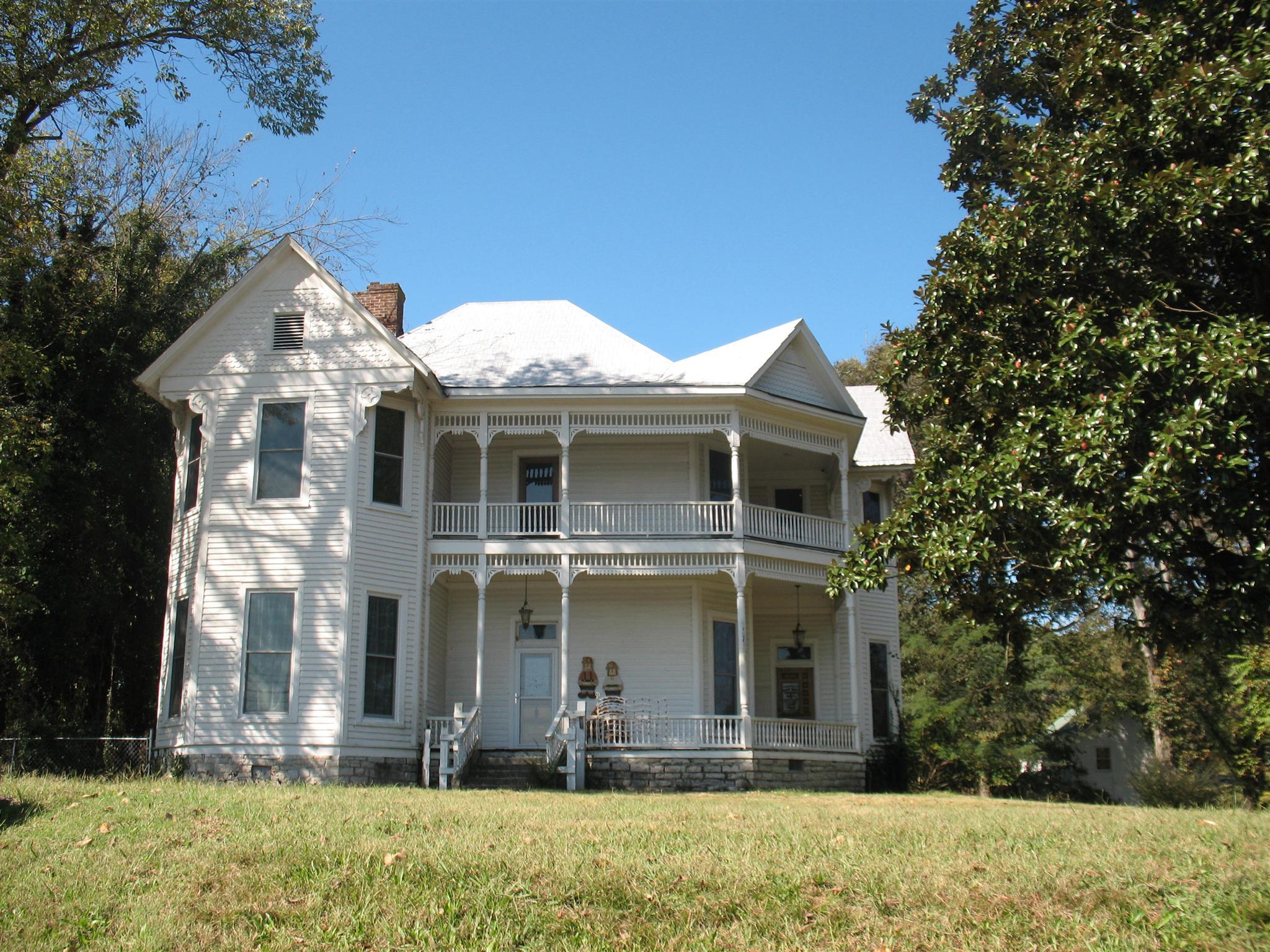 902 W Main St, Woodbury, TN 37190 - Woodbury, TN real estate listing