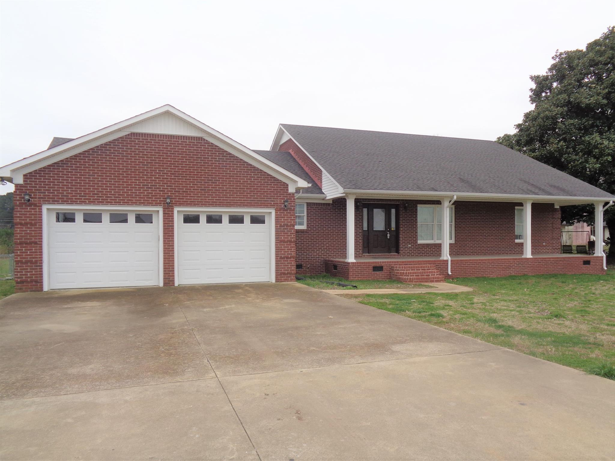 110 W Augustin Dr, Loretto, TN 38469 - Loretto, TN real estate listing