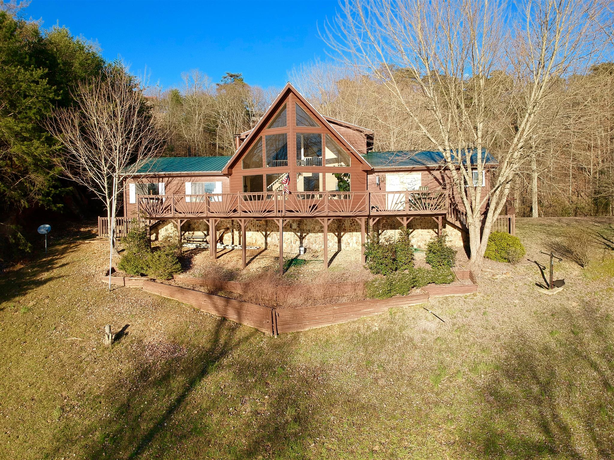 760 Lakefront Dr, Waverly, TN 37185 - Waverly, TN real estate listing