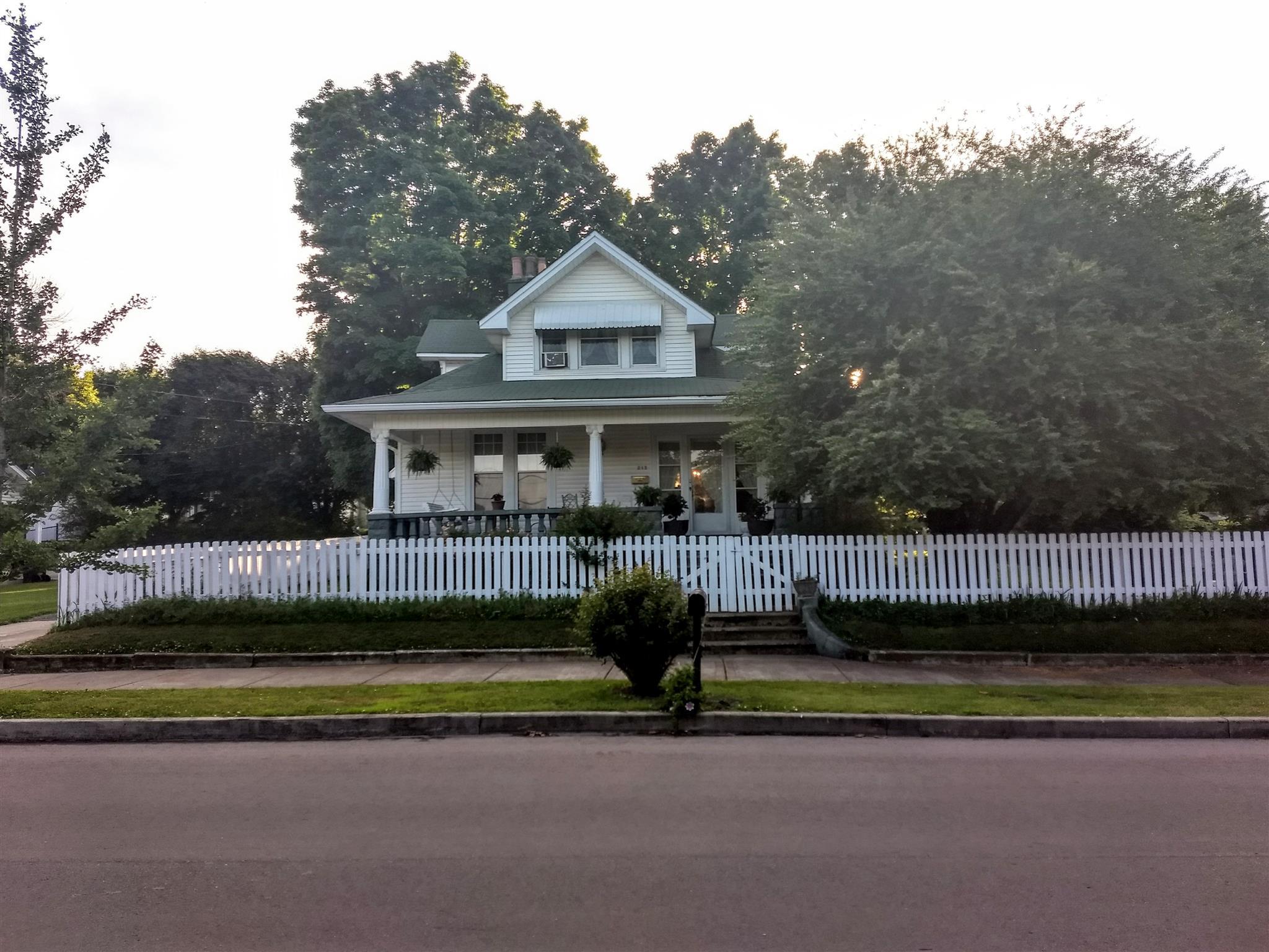 215 N Oak St, Springfield, TN 37172 - Springfield, TN real estate listing