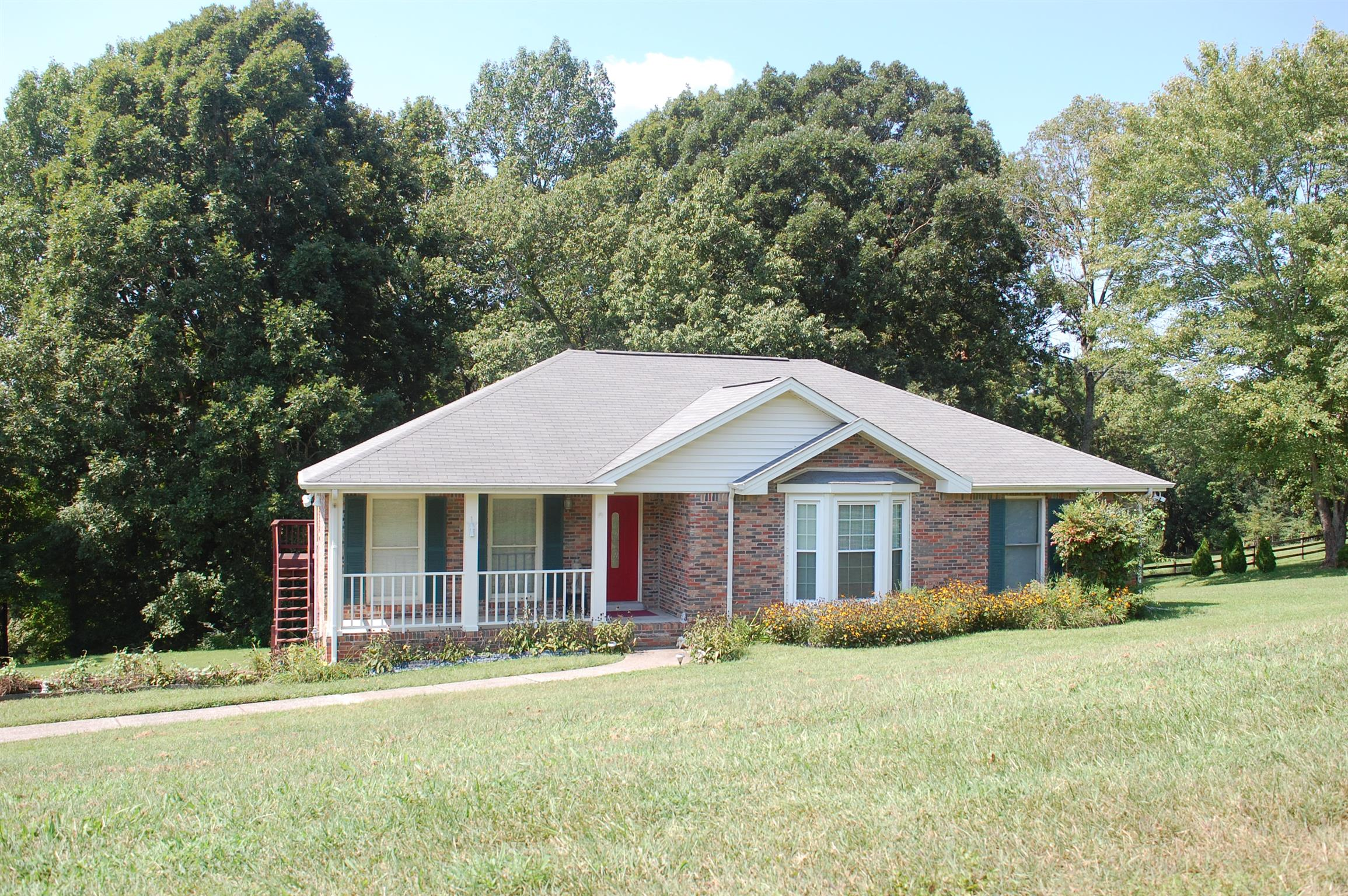 869 Hartman Ct, Adams, TN 37010 - Adams, TN real estate listing