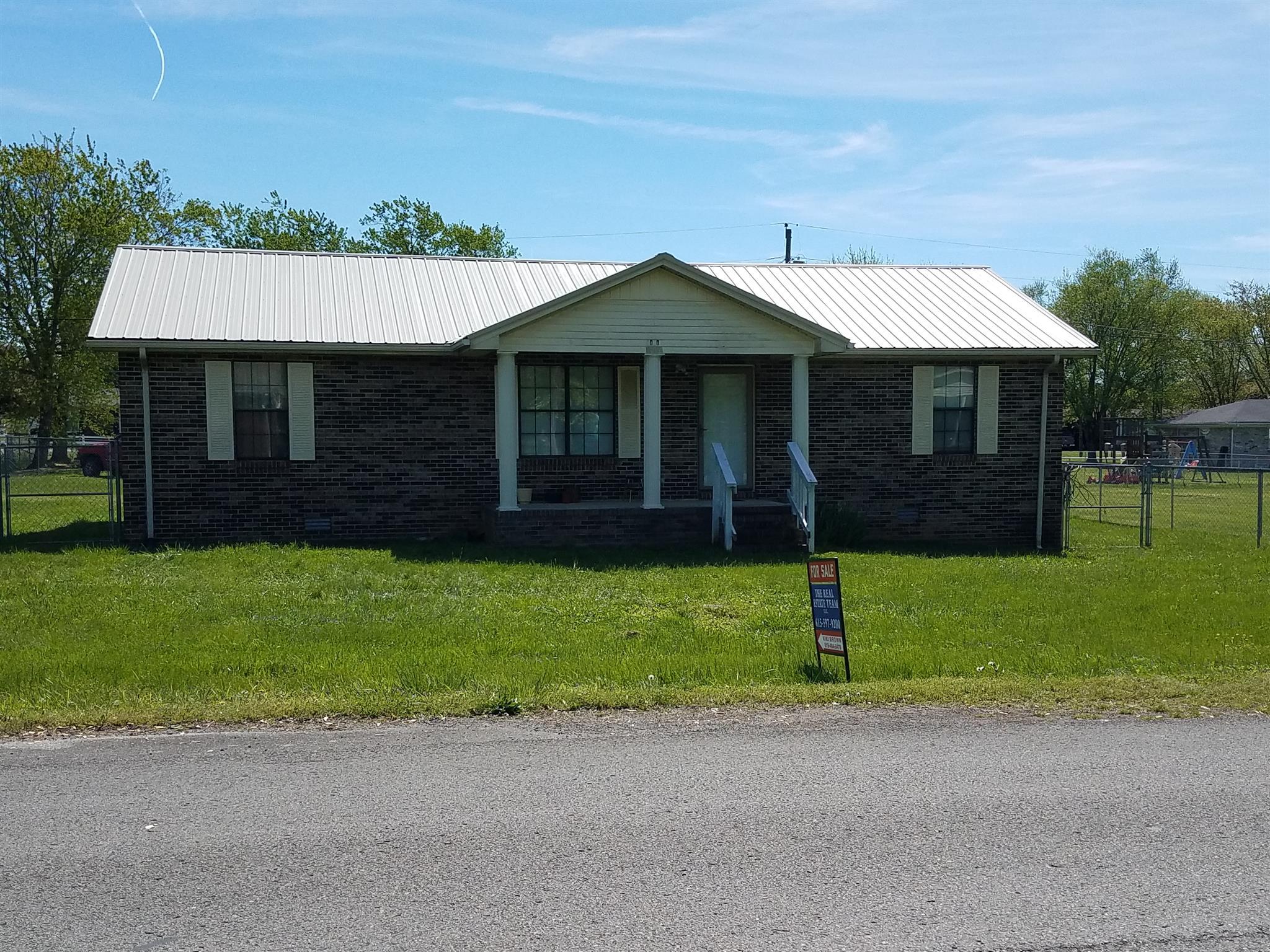 1000 Earl Ave, Smithville, TN 37166 - Smithville, TN real estate listing