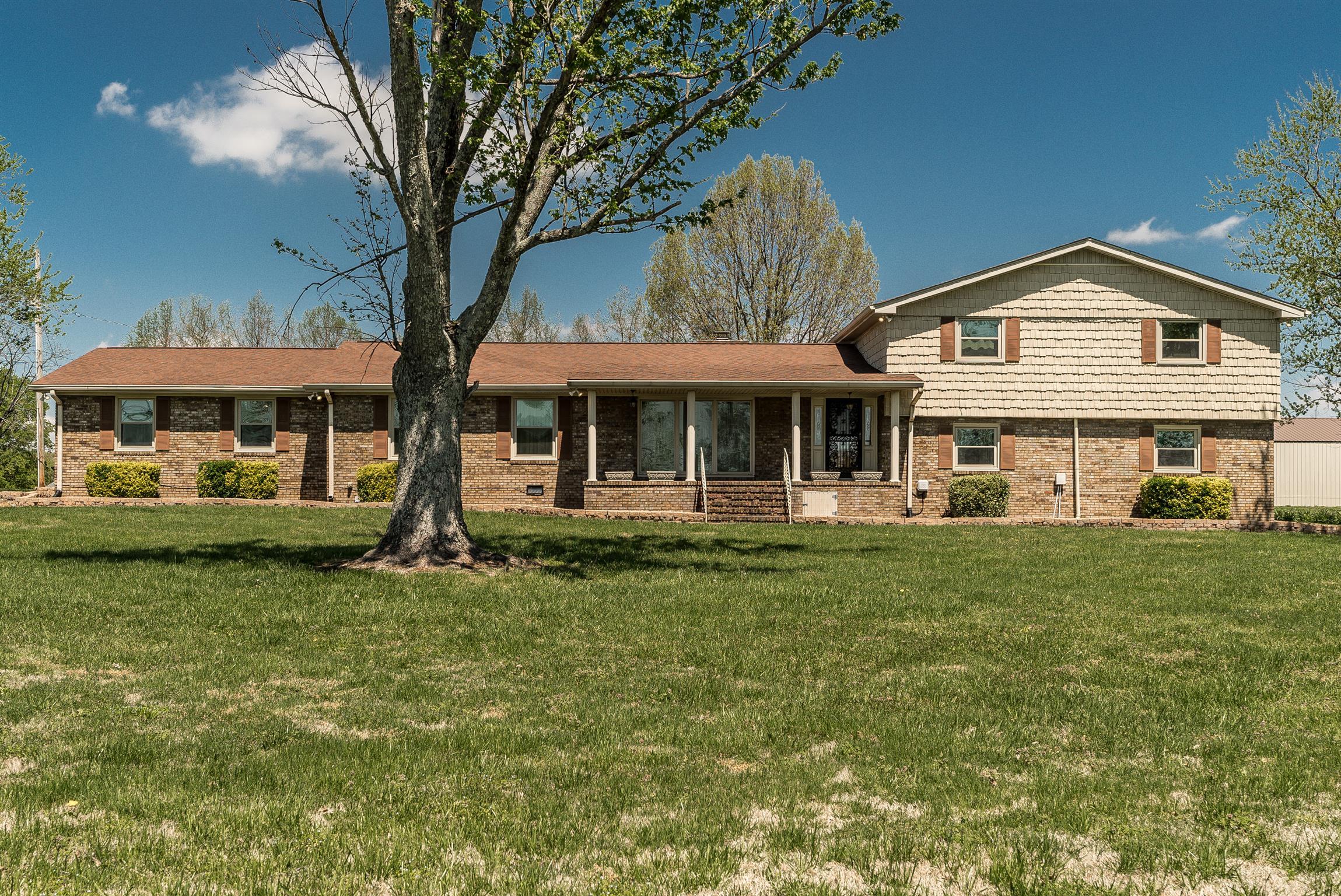 37072 Real Estate Listings Main Image