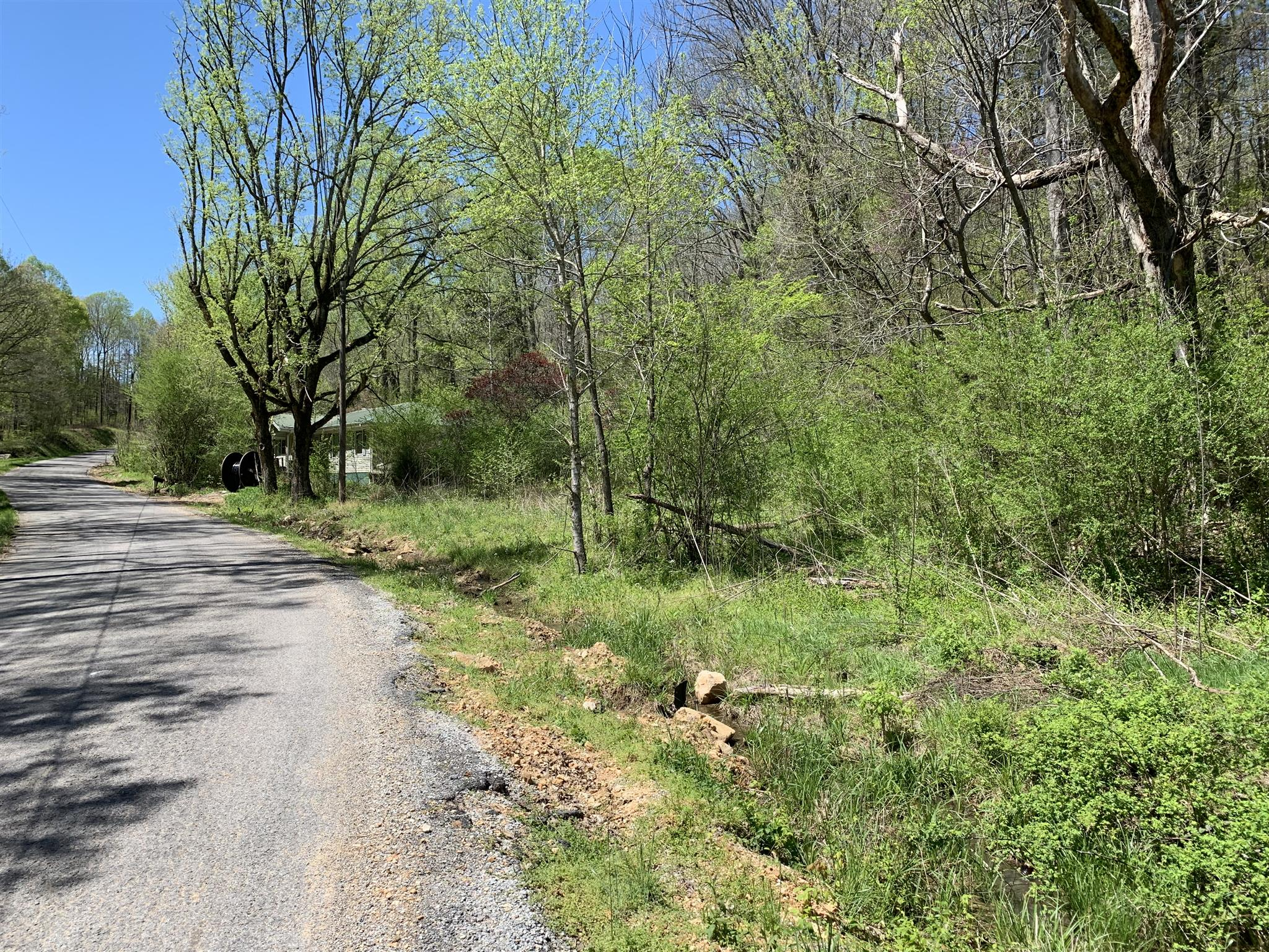 7091 Friendship Lane Property Photo - Lyles, TN real estate listing