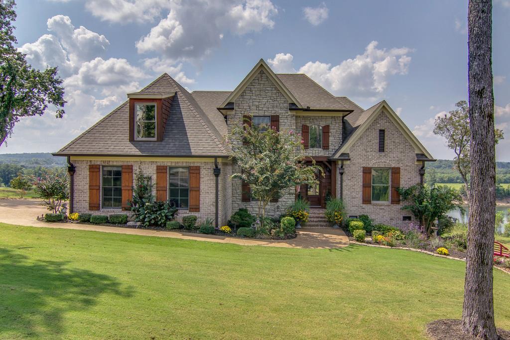 38311 Real Estate Listings Main Image