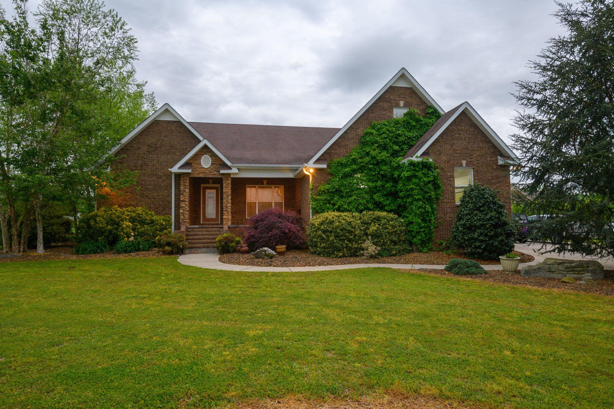 210 Barton Drive, Normandy, TN 37360 - Normandy, TN real estate listing