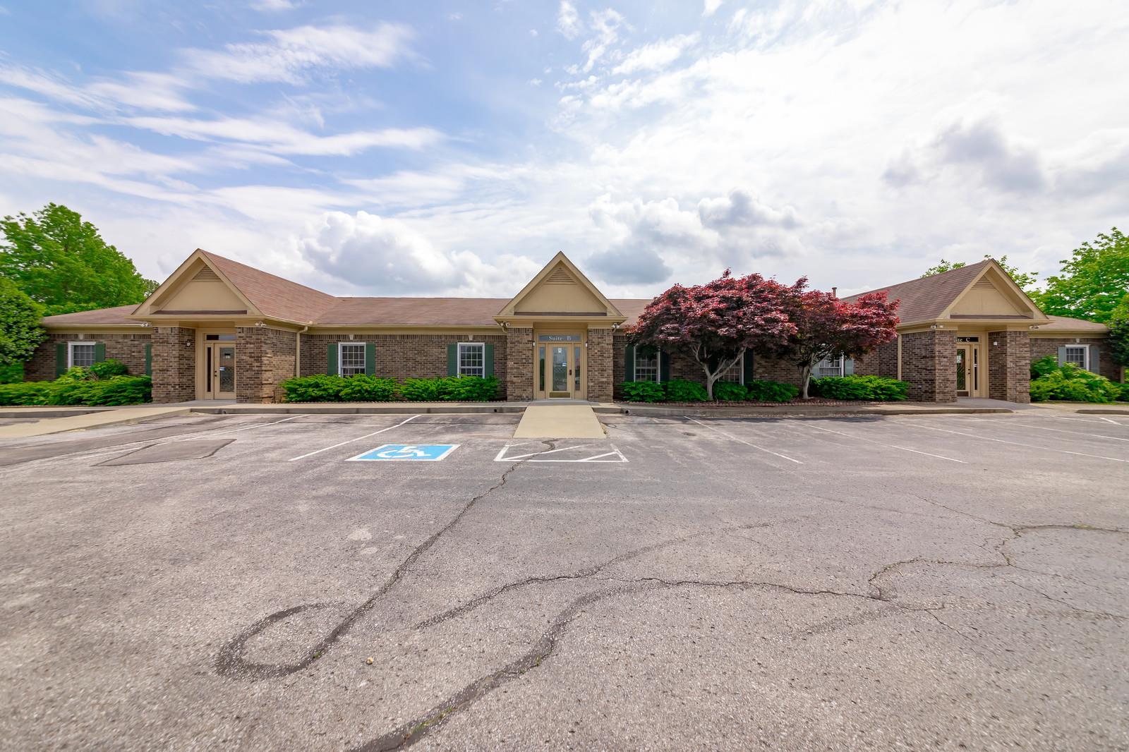 201 Uffelman Drive, Clarksville, TN 37043 - Clarksville, TN real estate listing