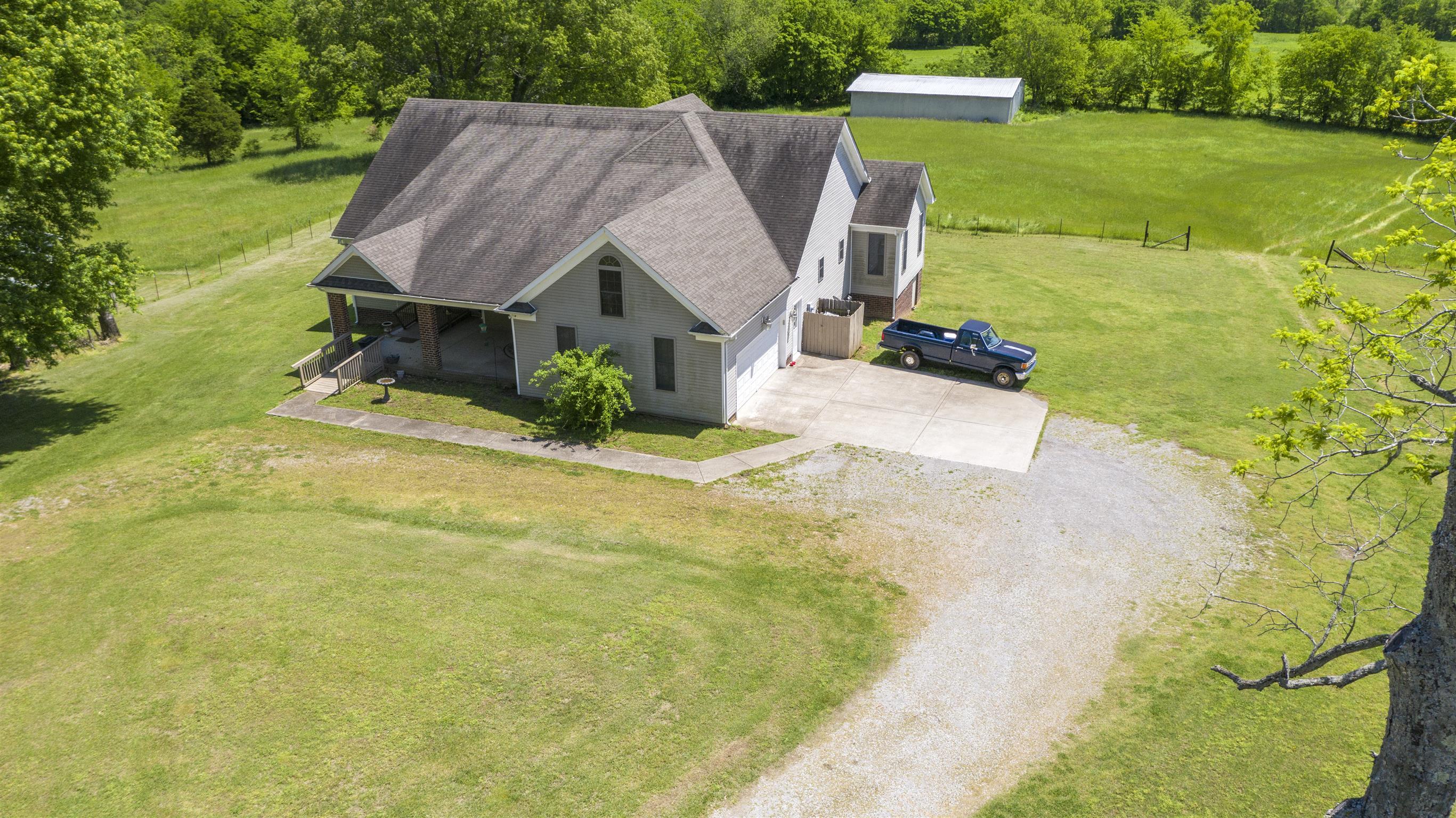 2412 Rawlings Rd, Woodlawn, TN 37191 - Woodlawn, TN real estate listing