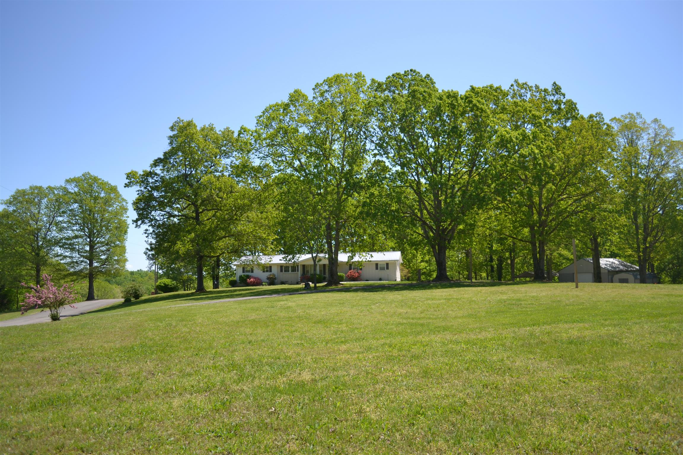 165 Lakeview Ln, MC EWEN, TN 37101 - MC EWEN, TN real estate listing