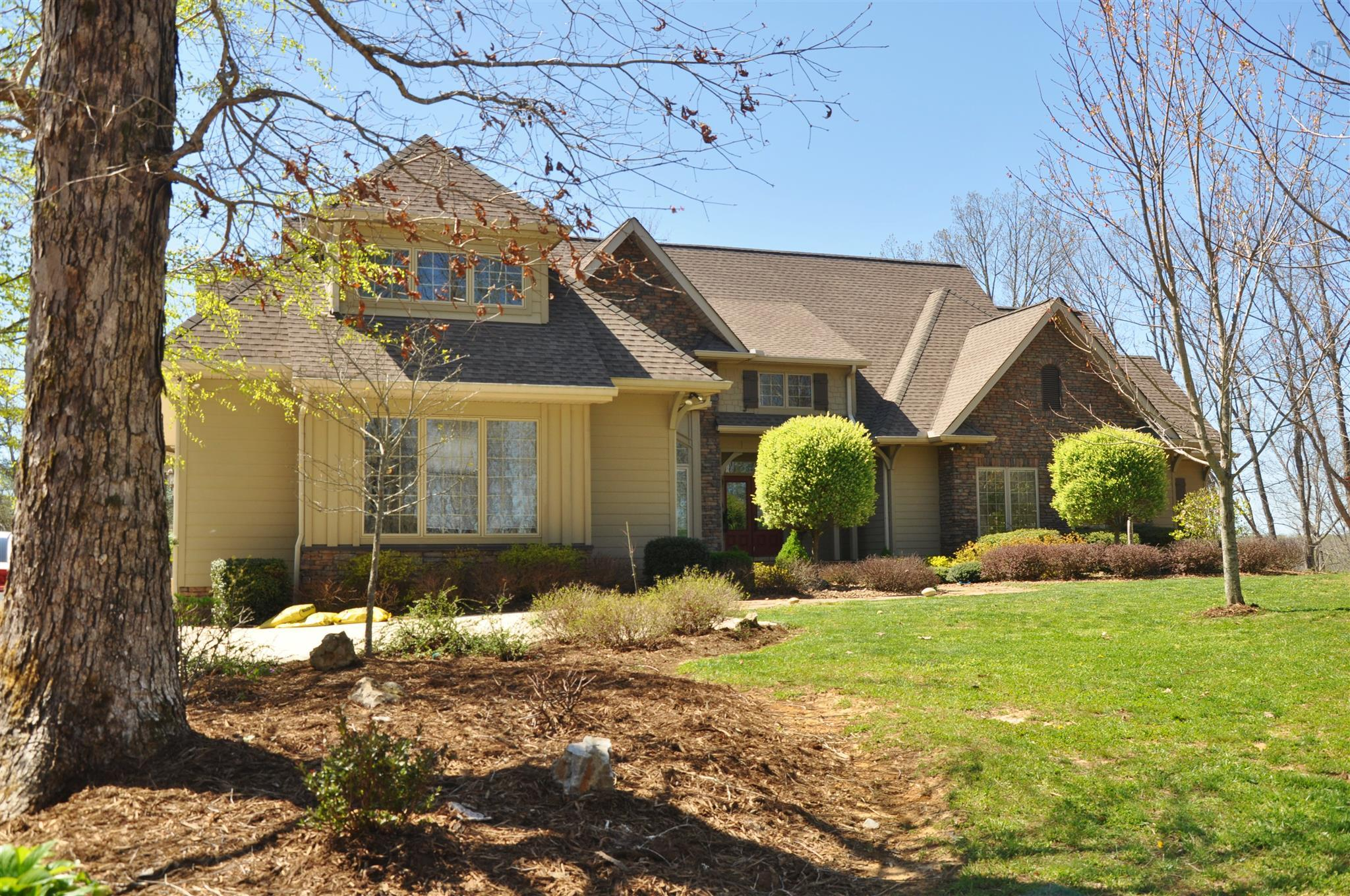 425 Water Color Dr, Sparta, TN 38583 - Sparta, TN real estate listing