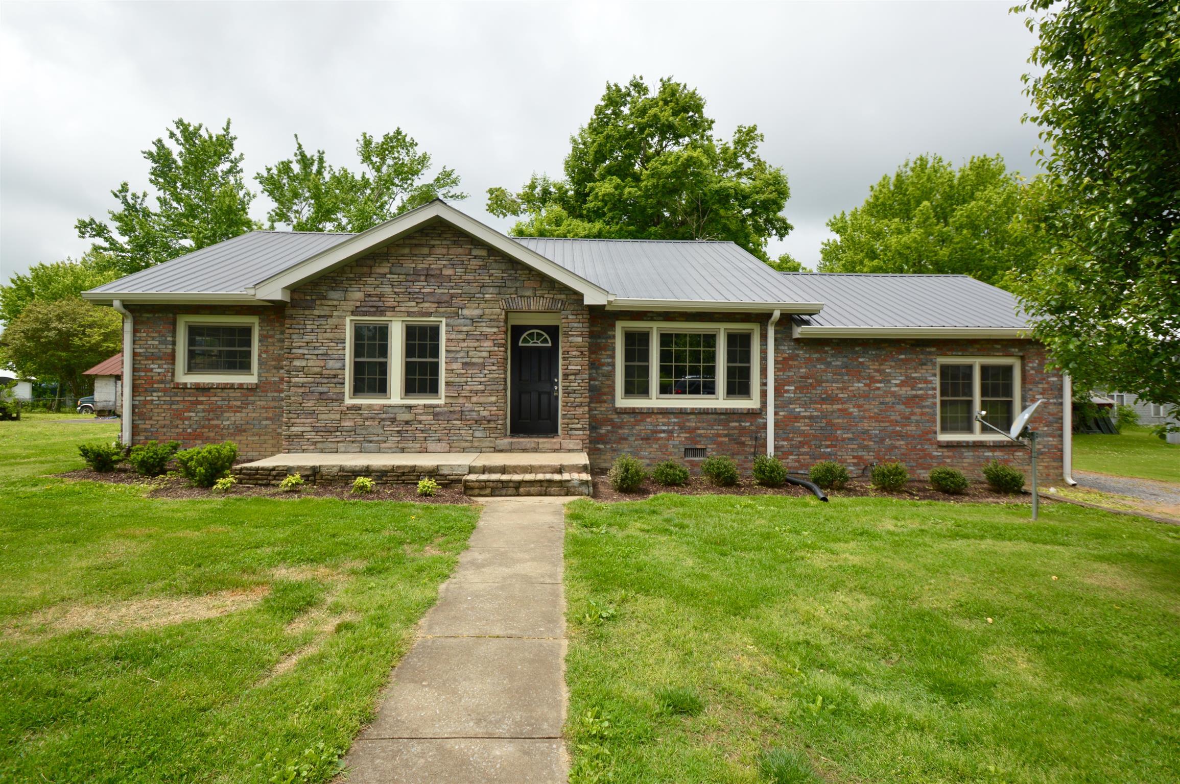 91 Church St, MC EWEN, TN 37101 - MC EWEN, TN real estate listing