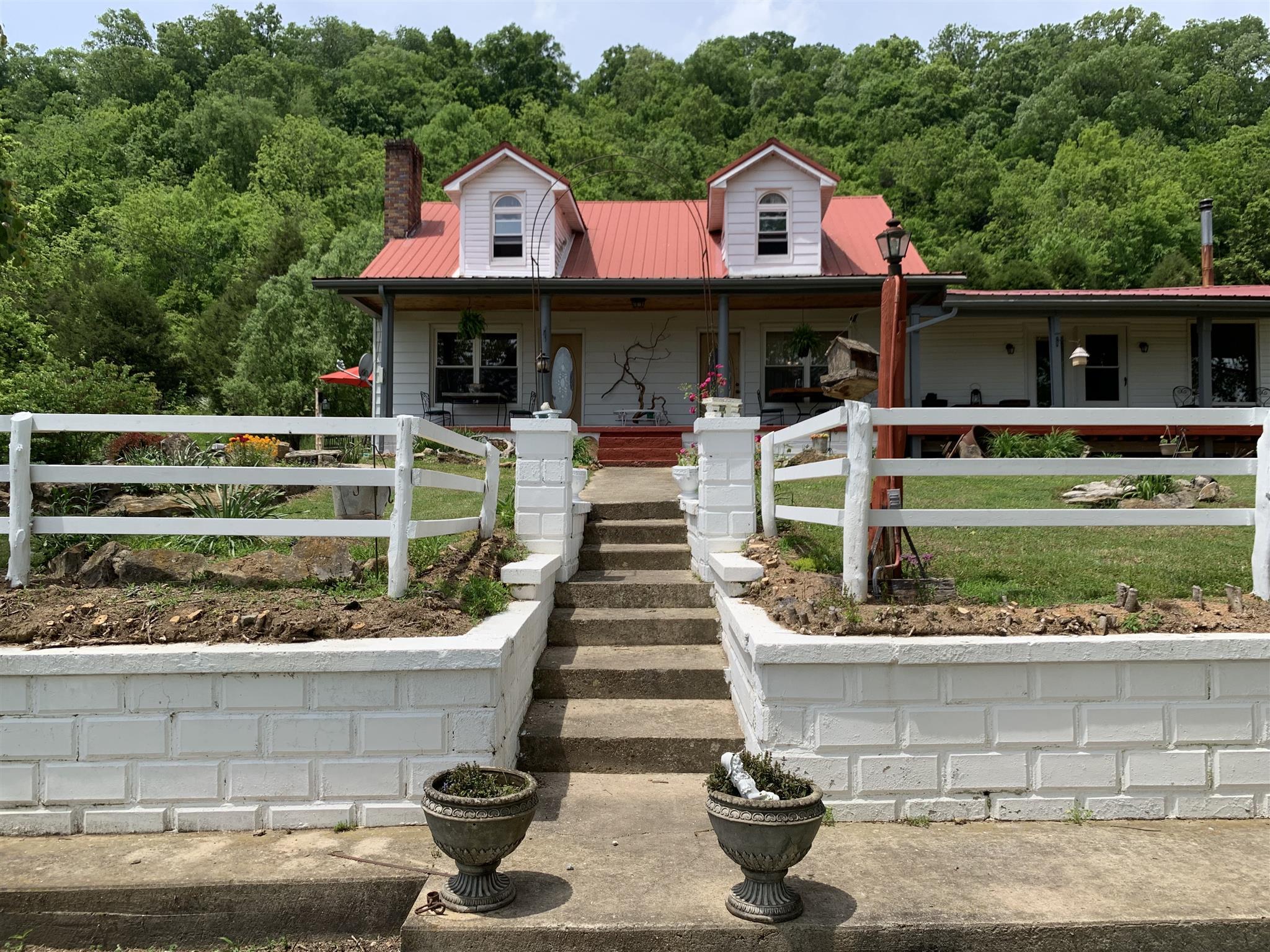 178 Henry Boyd Rd, Celina, TN 38551 - Celina, TN real estate listing