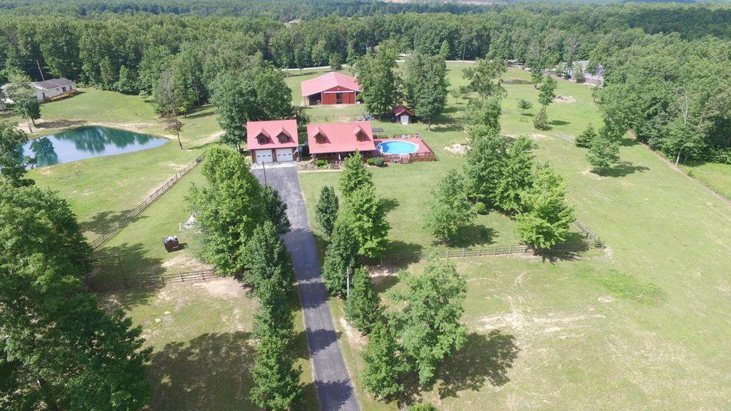 605 Robs Rd, Grimsley, TN 38565 - Grimsley, TN real estate listing