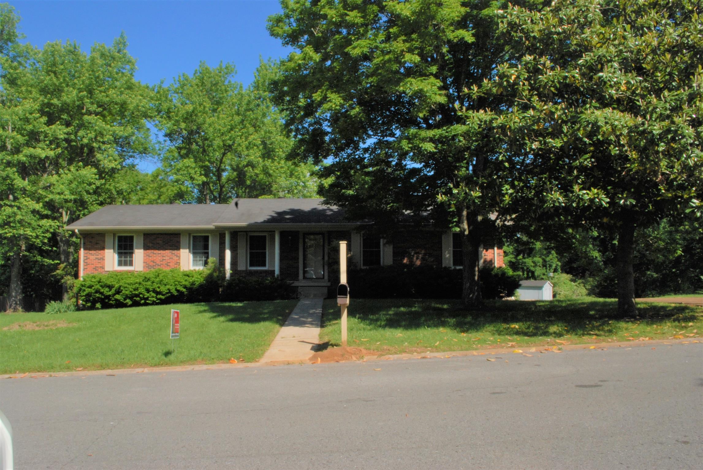 1002 Dow Dr, Shelbyville, TN 37160 - Shelbyville, TN real estate listing
