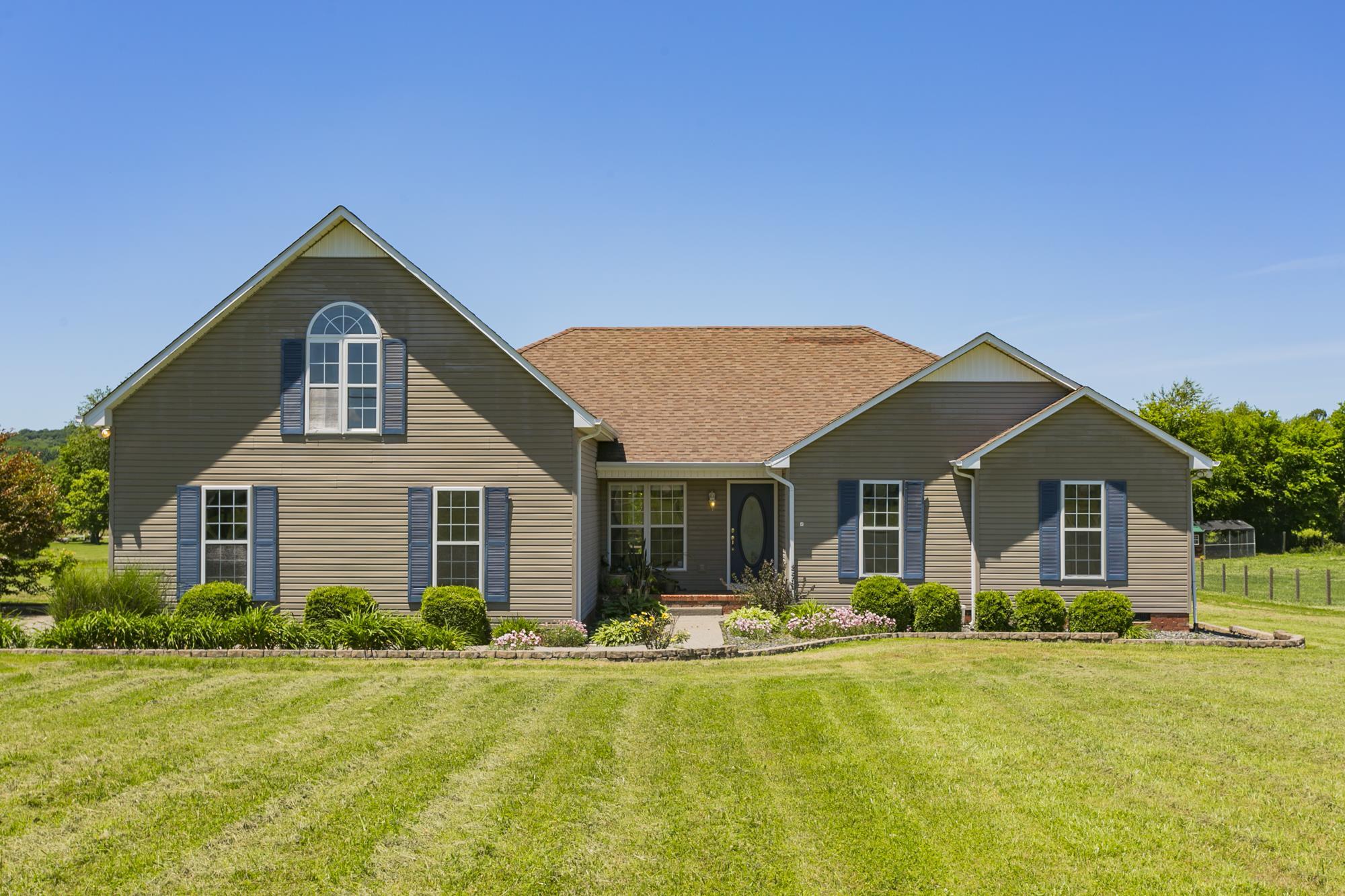 Carters Creek Acres Real Estate Listings Main Image