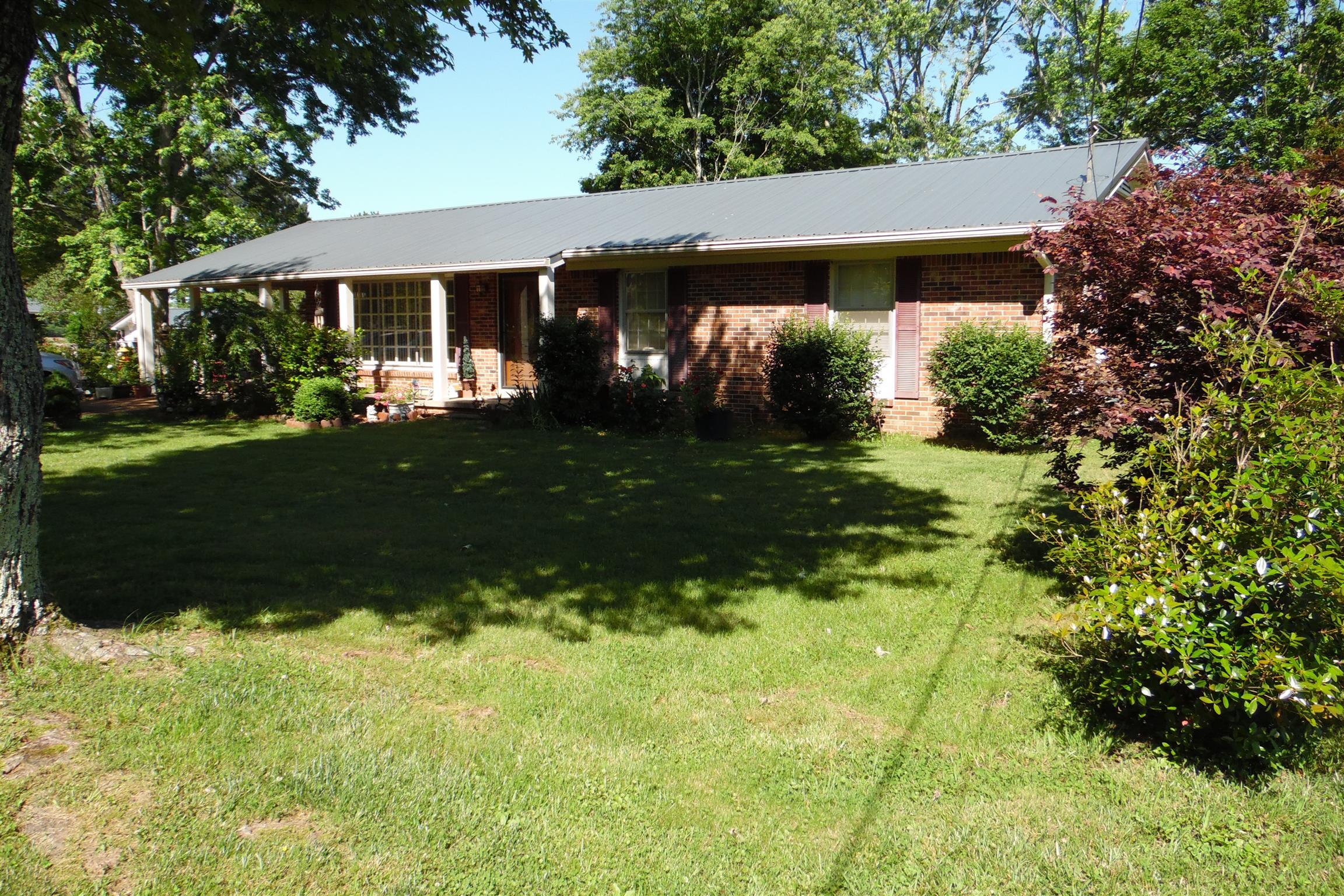 713 Brenda Ave, Loretto, TN 38469 - Loretto, TN real estate listing