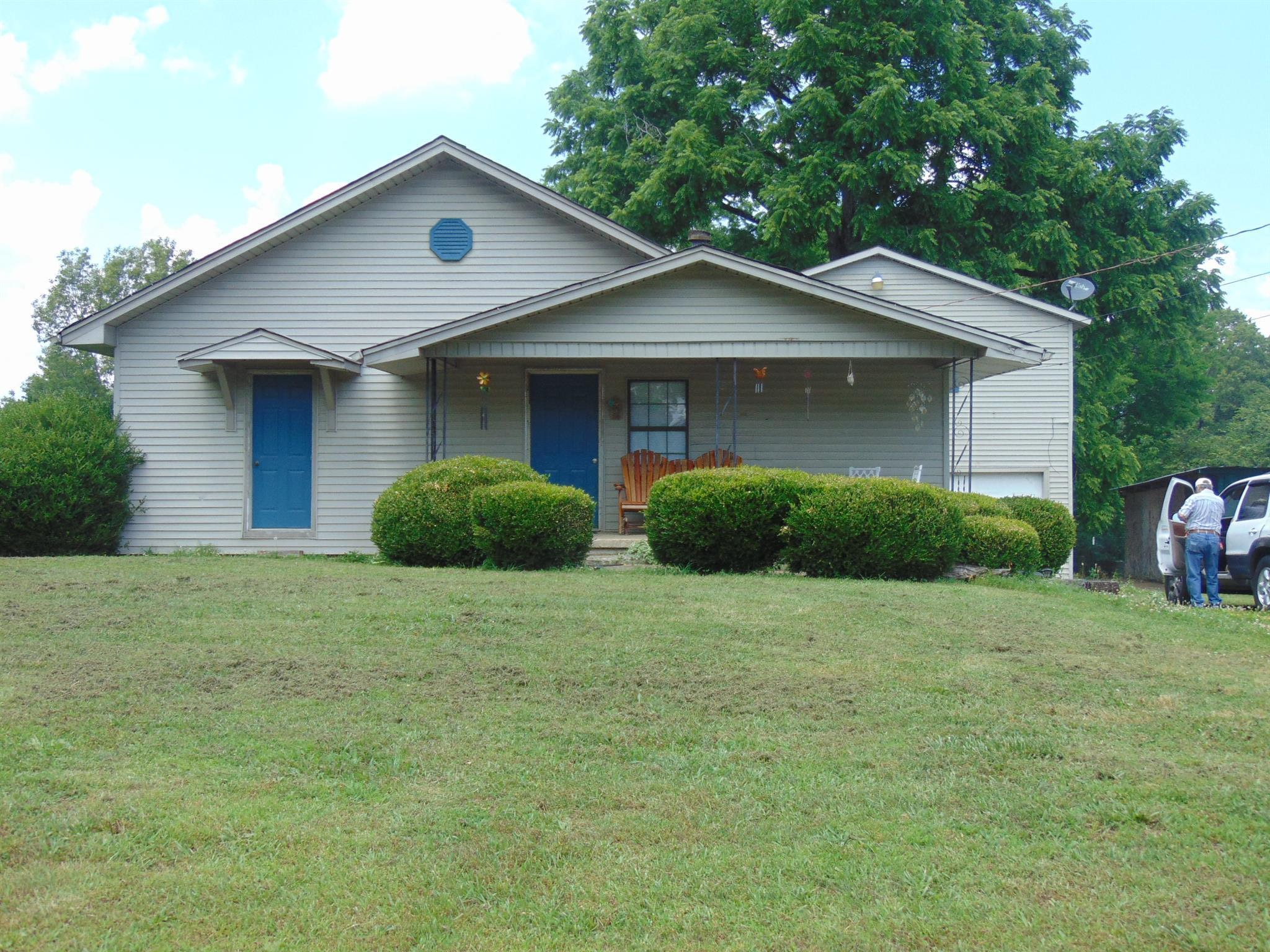 411 2Nd Ave S, Loretto, TN 38469 - Loretto, TN real estate listing