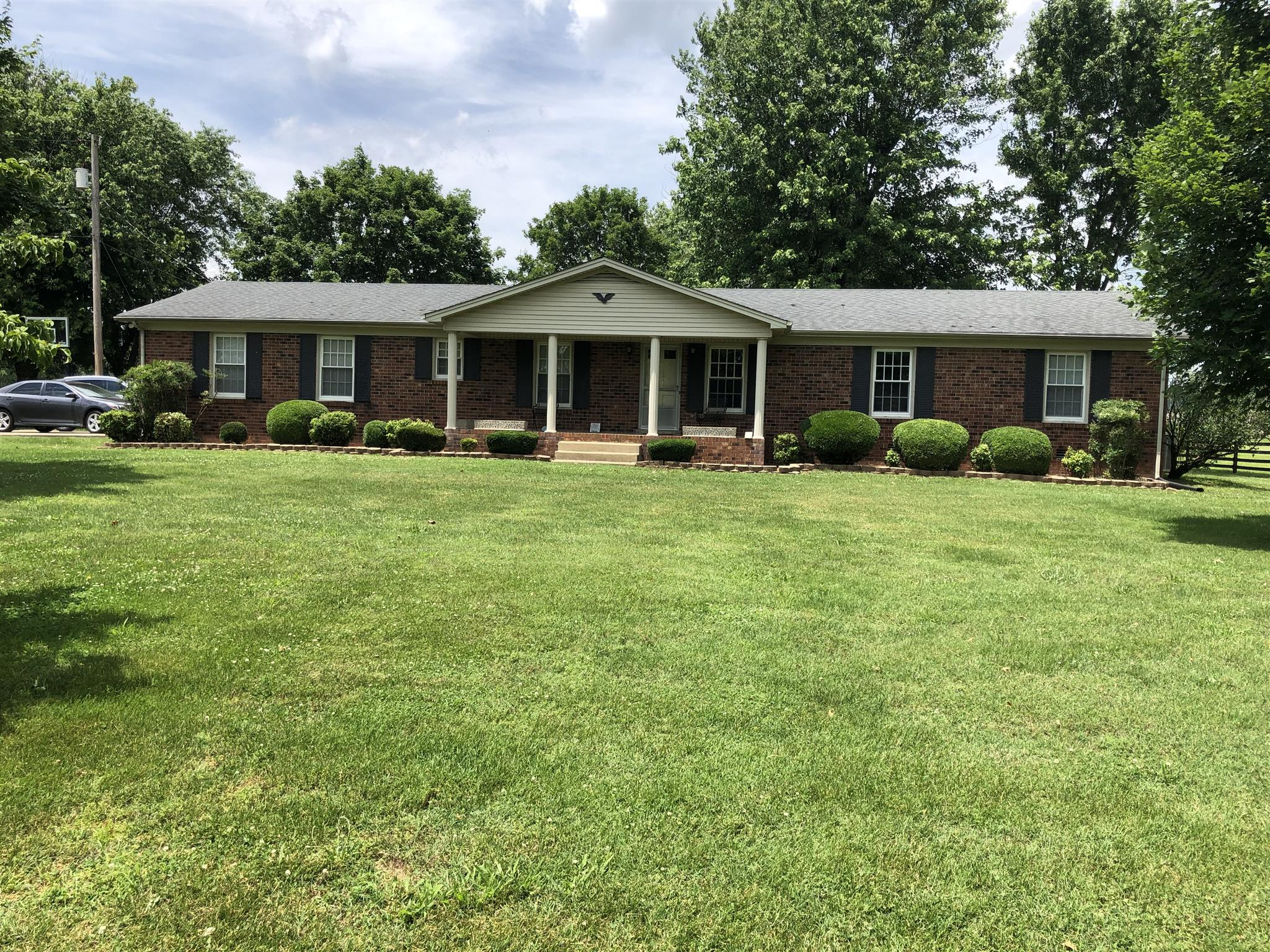 863 Old Military Rd, Spring Hill, TN 37174 - Spring Hill, TN real estate listing