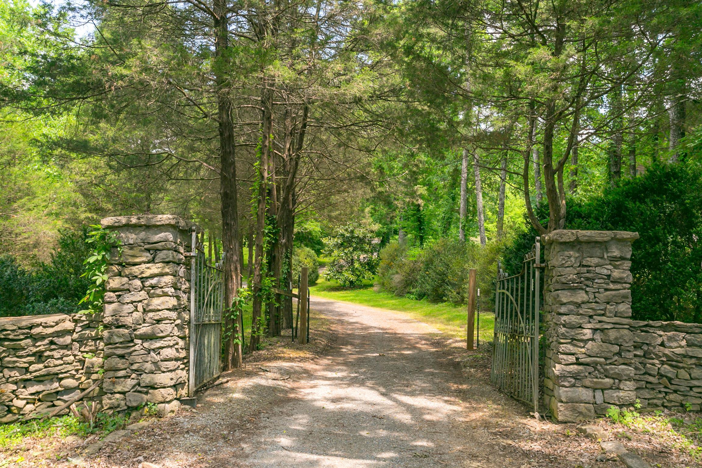 698 Sneed Rd W, Franklin, TN 37069 - Franklin, TN real estate listing