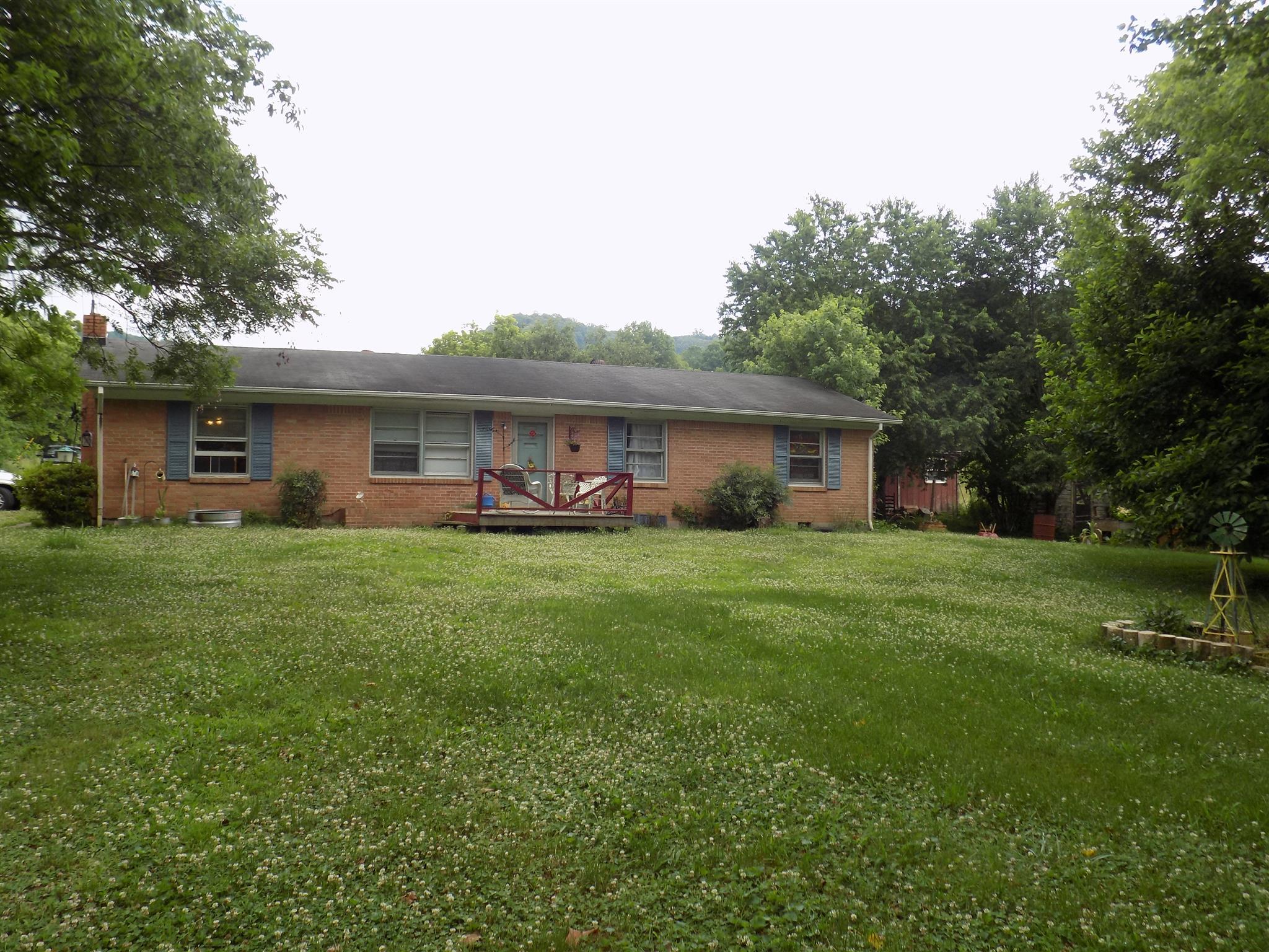 8 Sutton Ln, Carthage, TN 37030 - Carthage, TN real estate listing