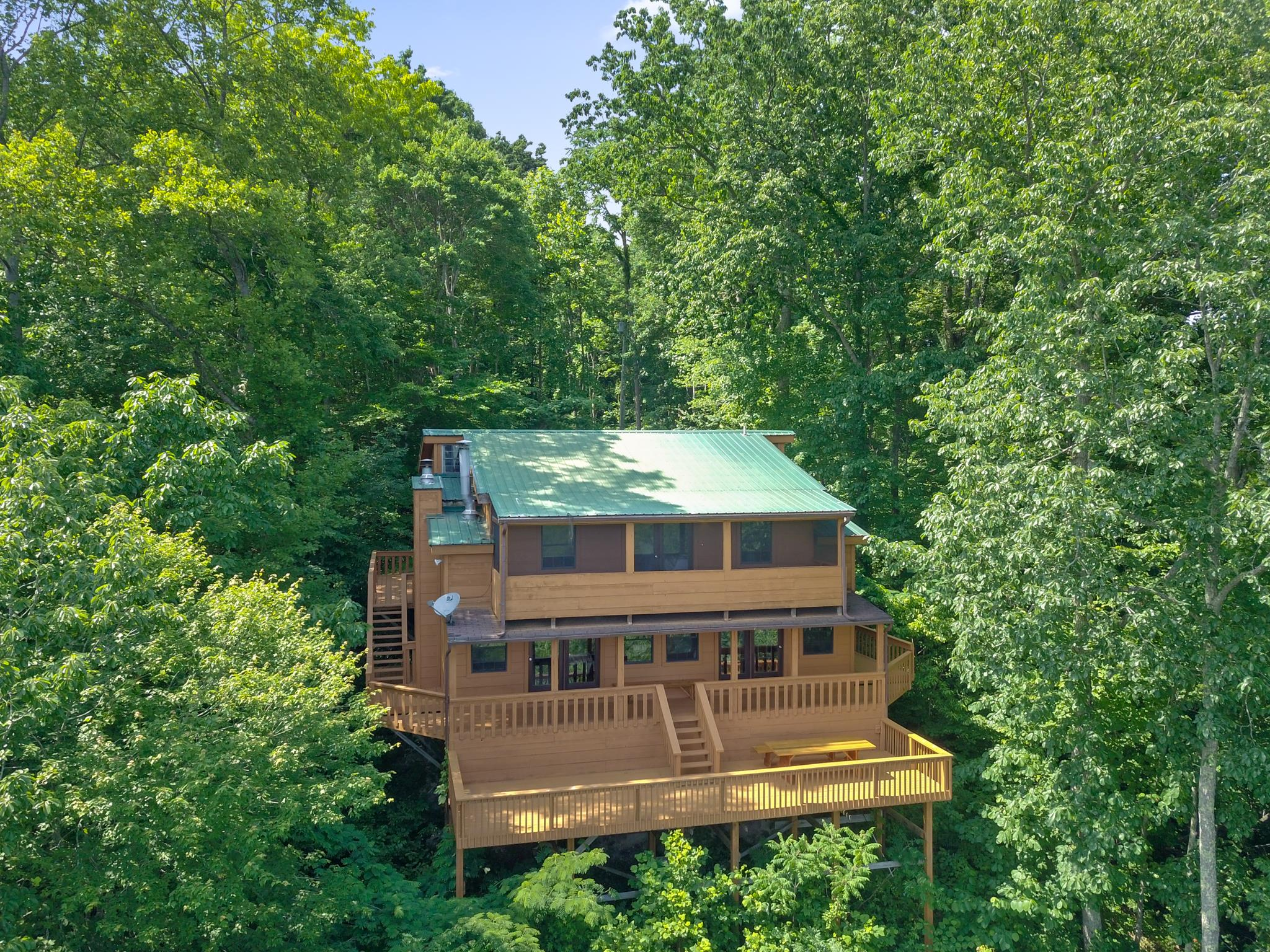 707 Sunny Point Rd Property Photo - Baxter, TN real estate listing