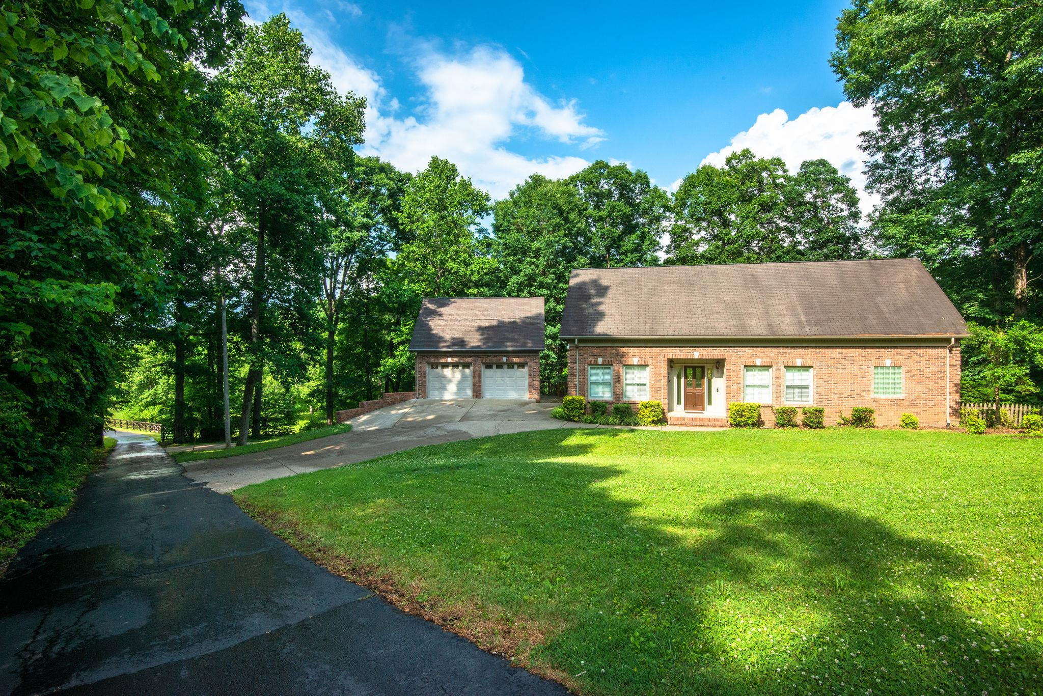 210 Kimberly Dr, Dickson, TN 37055 - Dickson, TN real estate listing