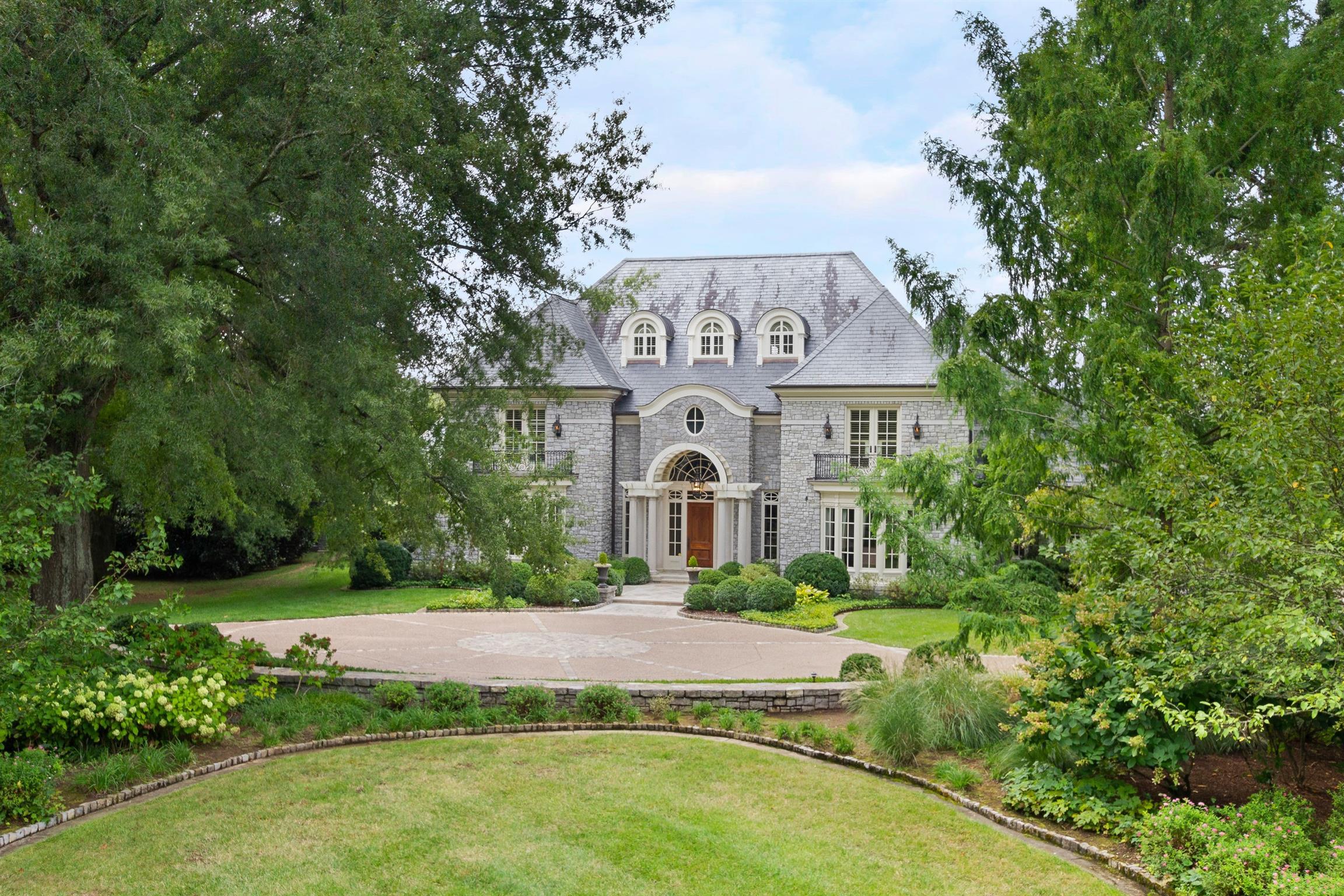 5021 Hill Place Dr, Nashville, TN 37205 - Nashville, TN real estate listing