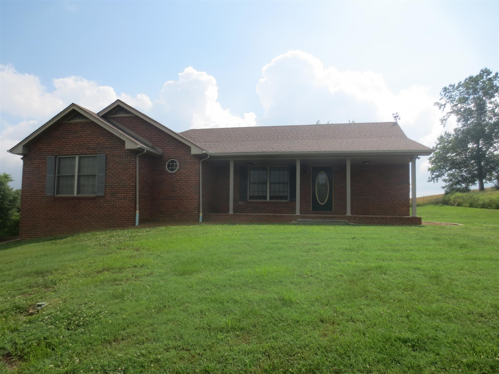 492 Lauren Ln, Westmoreland, TN 37186 - Westmoreland, TN real estate listing
