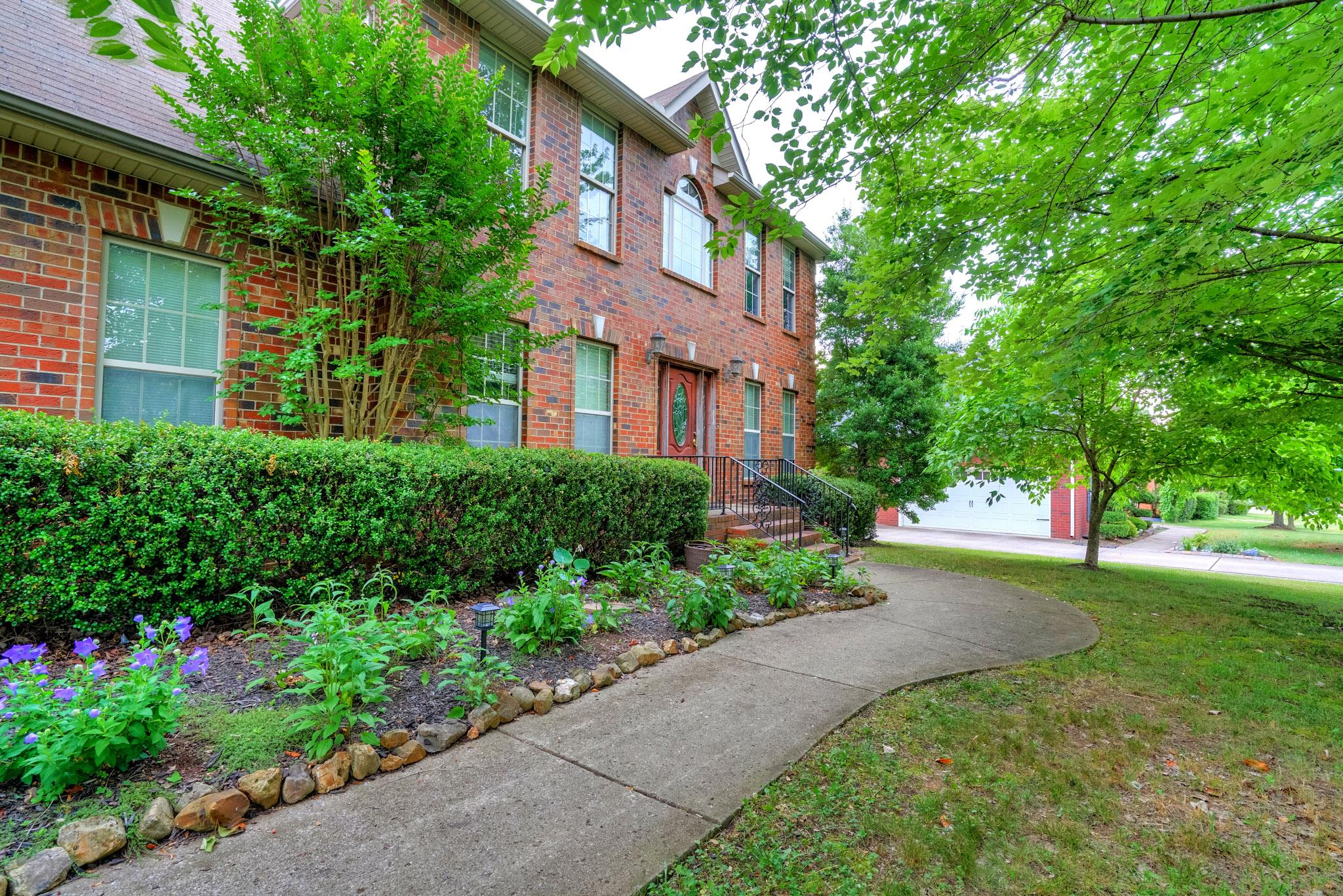 212 Comer Circle, Murfreesboro, TN 37128 - Murfreesboro, TN real estate listing