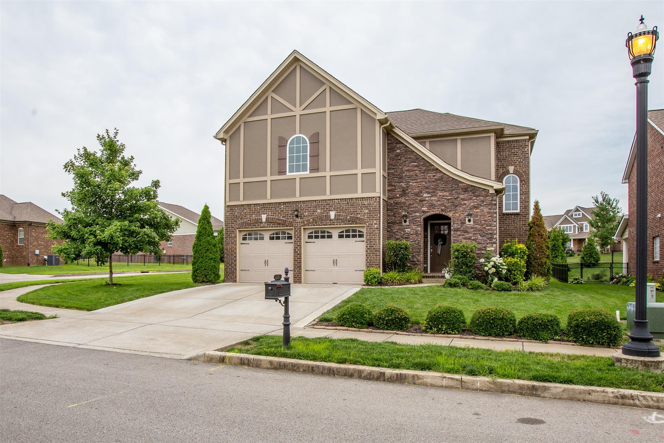 2143 Chaucer Park Ln, Thompsons Station, TN 37179 - Thompsons Station, TN real estate listing