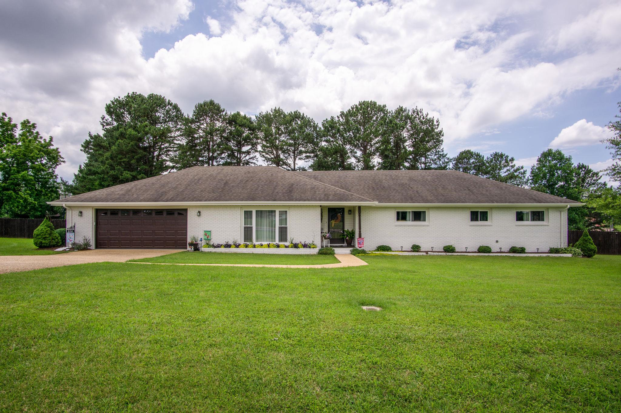 606 E Main St, Loretto, TN 38469 - Loretto, TN real estate listing