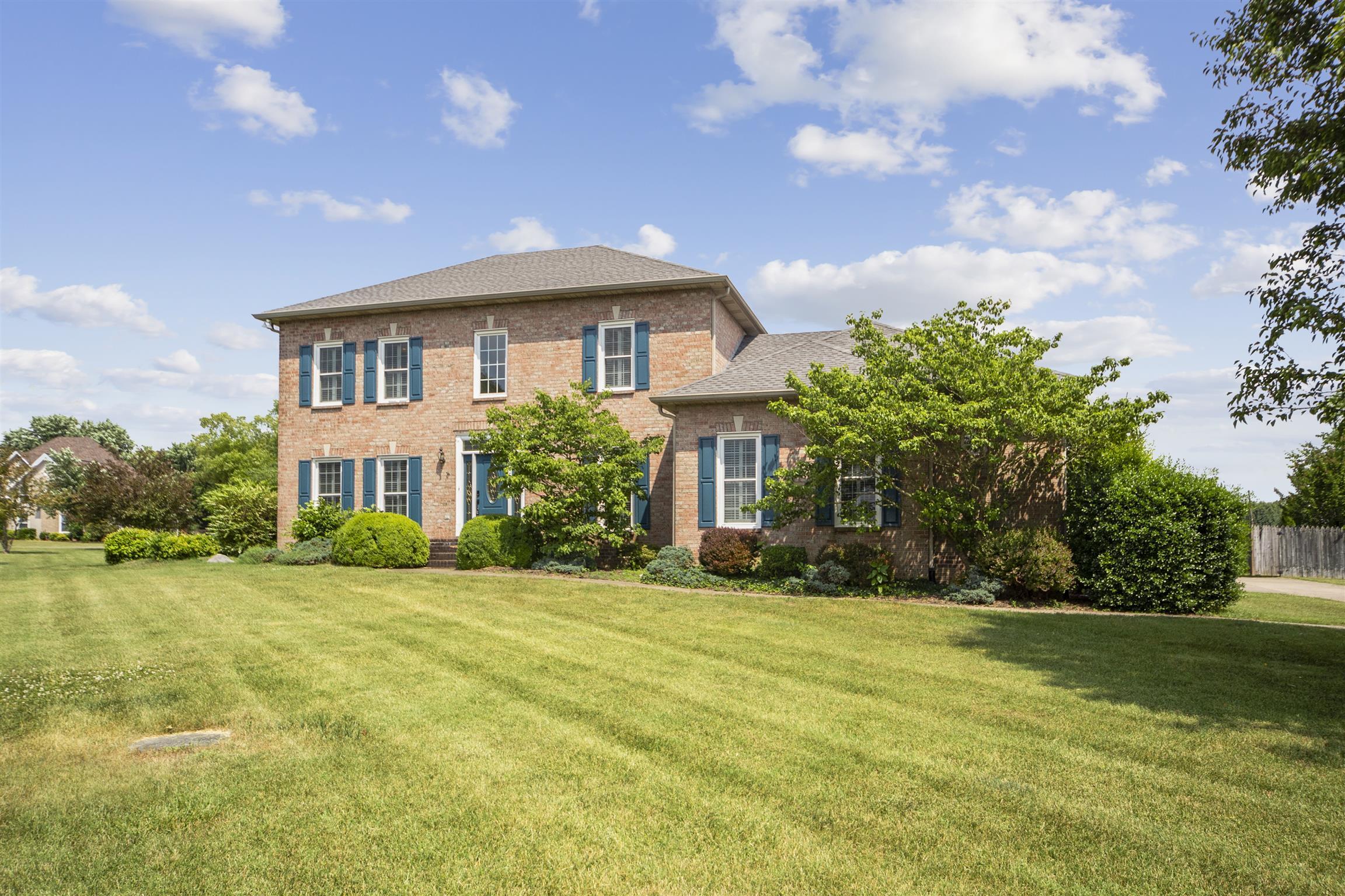 1020 Lake Rise Overlook, Gallatin, TN 37066 - Gallatin, TN real estate listing