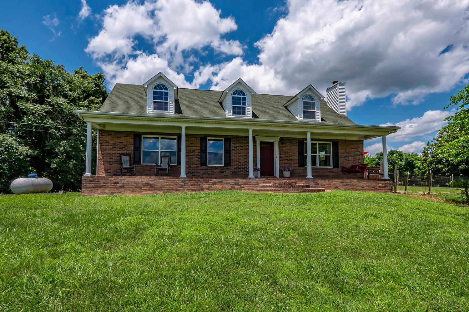 1925 Sedberry Rd, Thompsons Station, TN 37179 - Thompsons Station, TN real estate listing