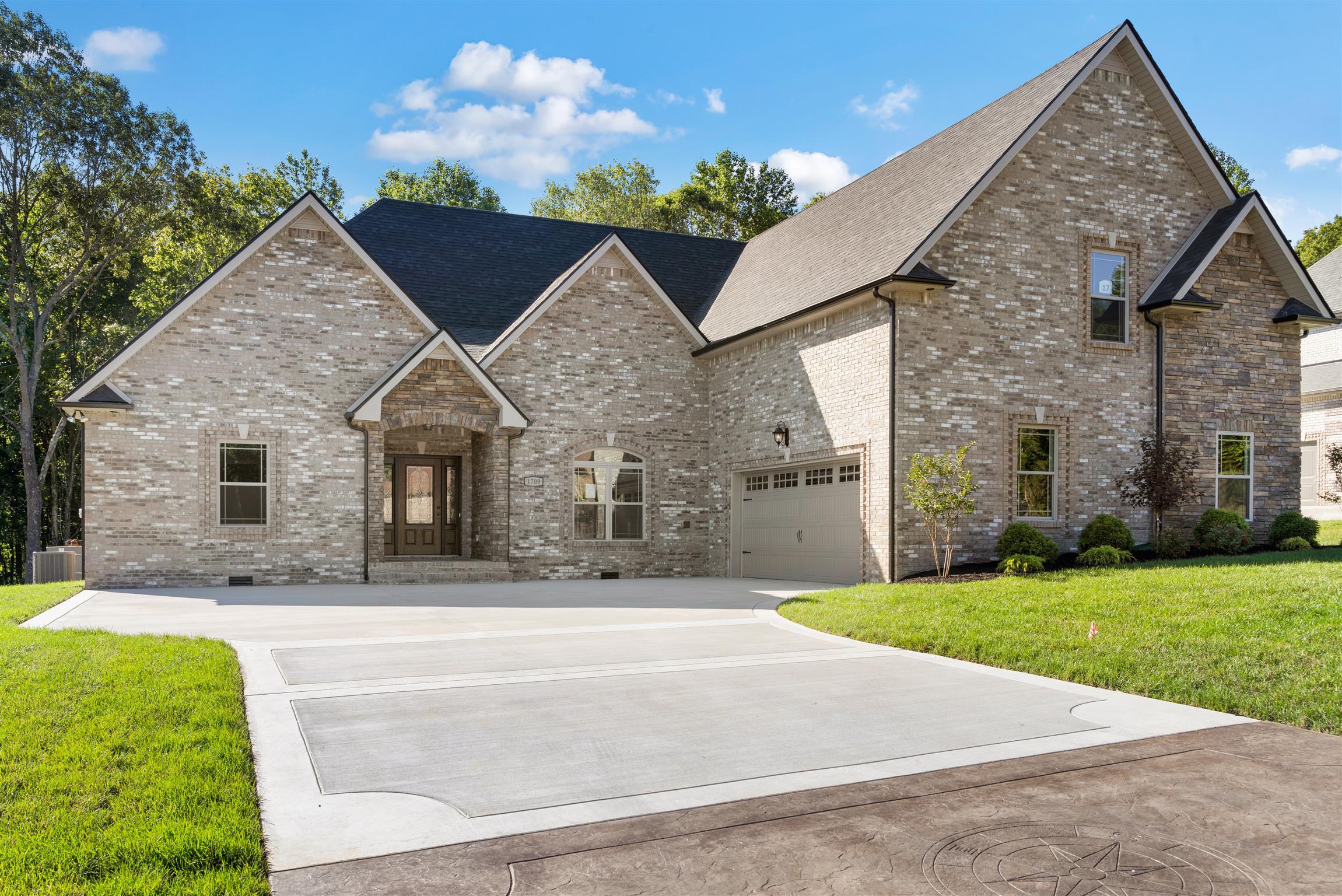 1709 Double R Blvd, Clarksville, TN 37042 - Clarksville, TN real estate listing