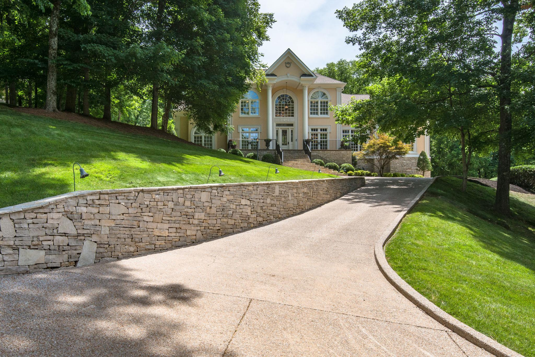 561 Grand Oaks Dr, Brentwood, TN 37027 - Brentwood, TN real estate listing