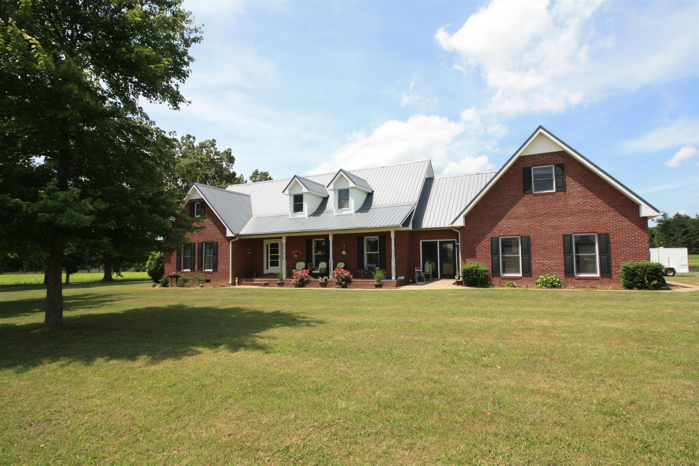 3018 Old Nashville Highway 3018, MC EWEN, TN 37101 - MC EWEN, TN real estate listing