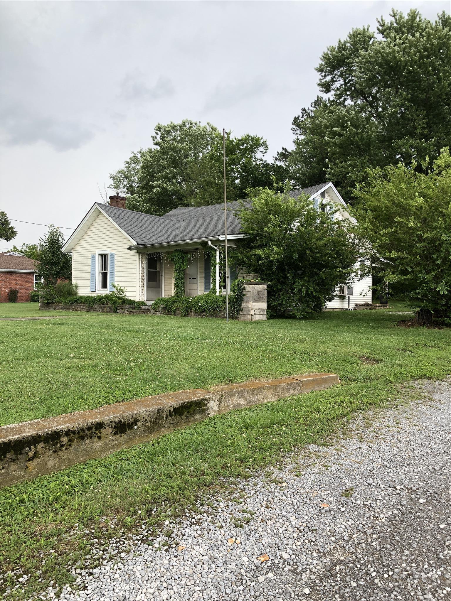 704 Scottsville Rd, Lafayette, TN 37083 - Lafayette, TN real estate listing