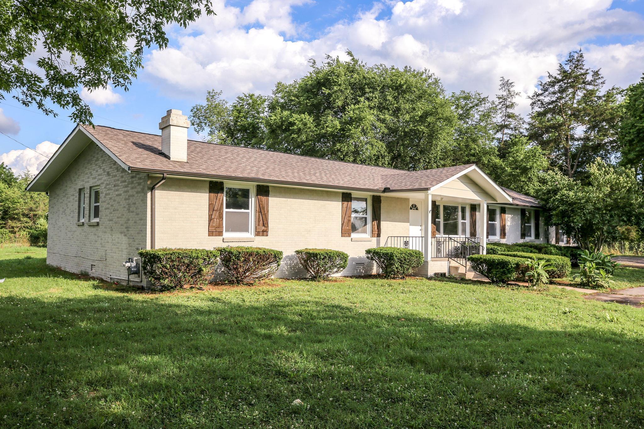1076 Twin Oak Dr, N, Murfreesboro, TN 37130 - Murfreesboro, TN real estate listing