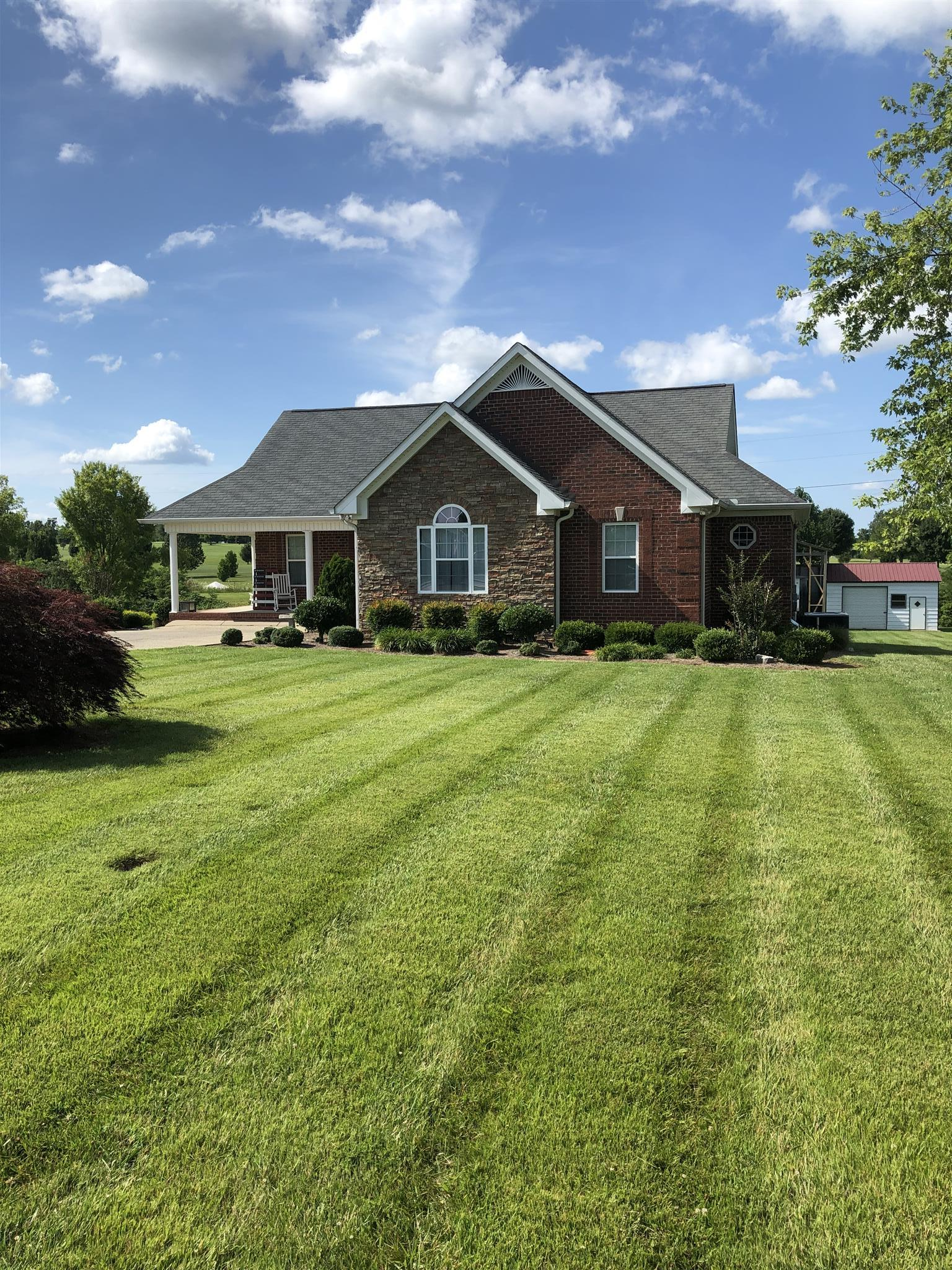 704 Parker Ln, Lafayette, TN 37083 - Lafayette, TN real estate listing